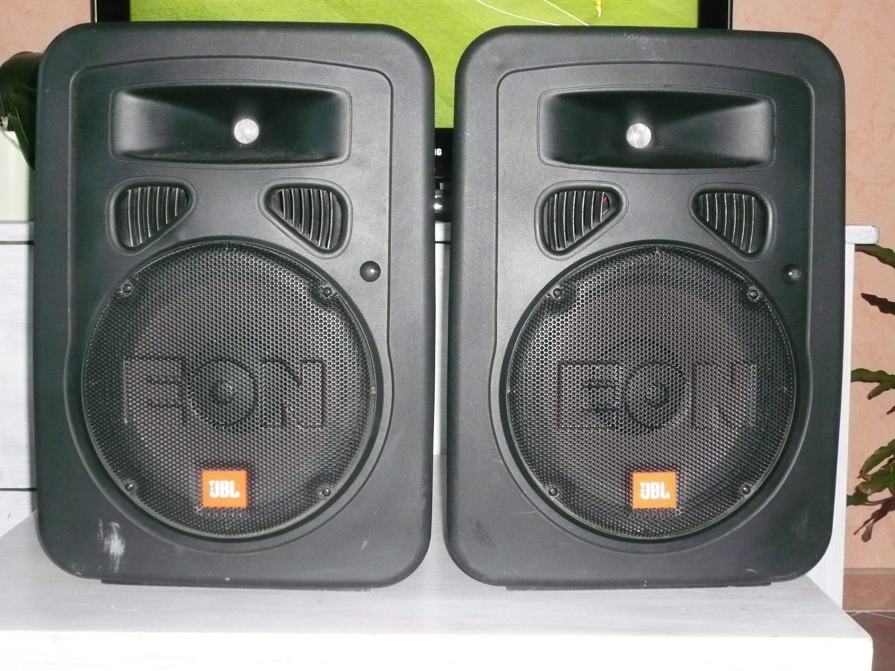 jbl eon 10 g2 image 452967 audiofanzine rh en audiofanzine com JBL Powered Speakers jbl eon10 g2 manual