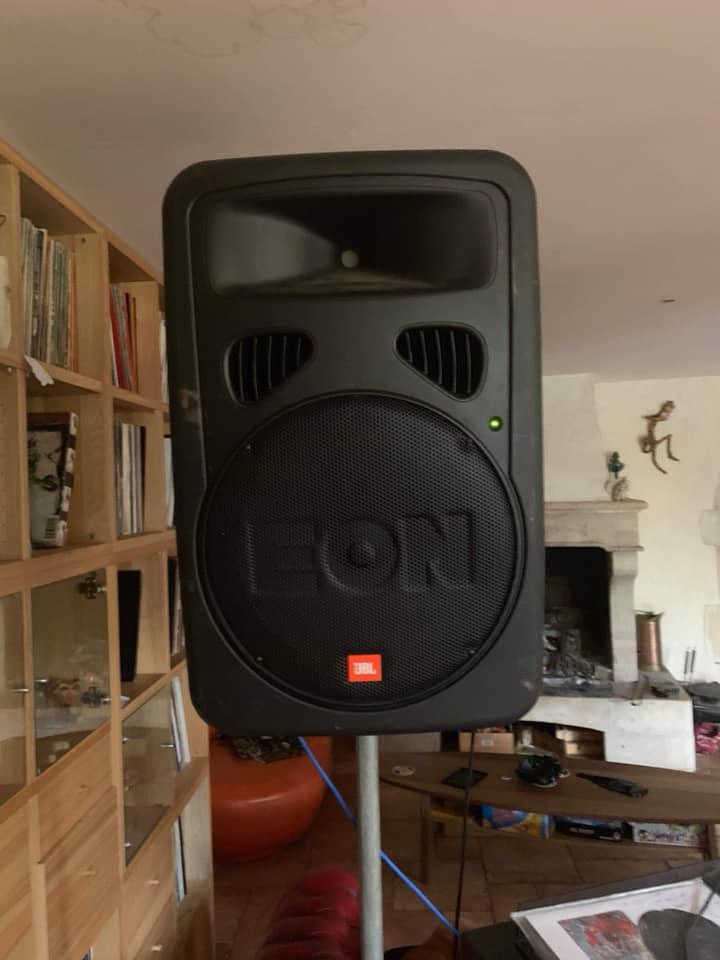 jbl eon 15 g2 audiofanzine. Black Bedroom Furniture Sets. Home Design Ideas