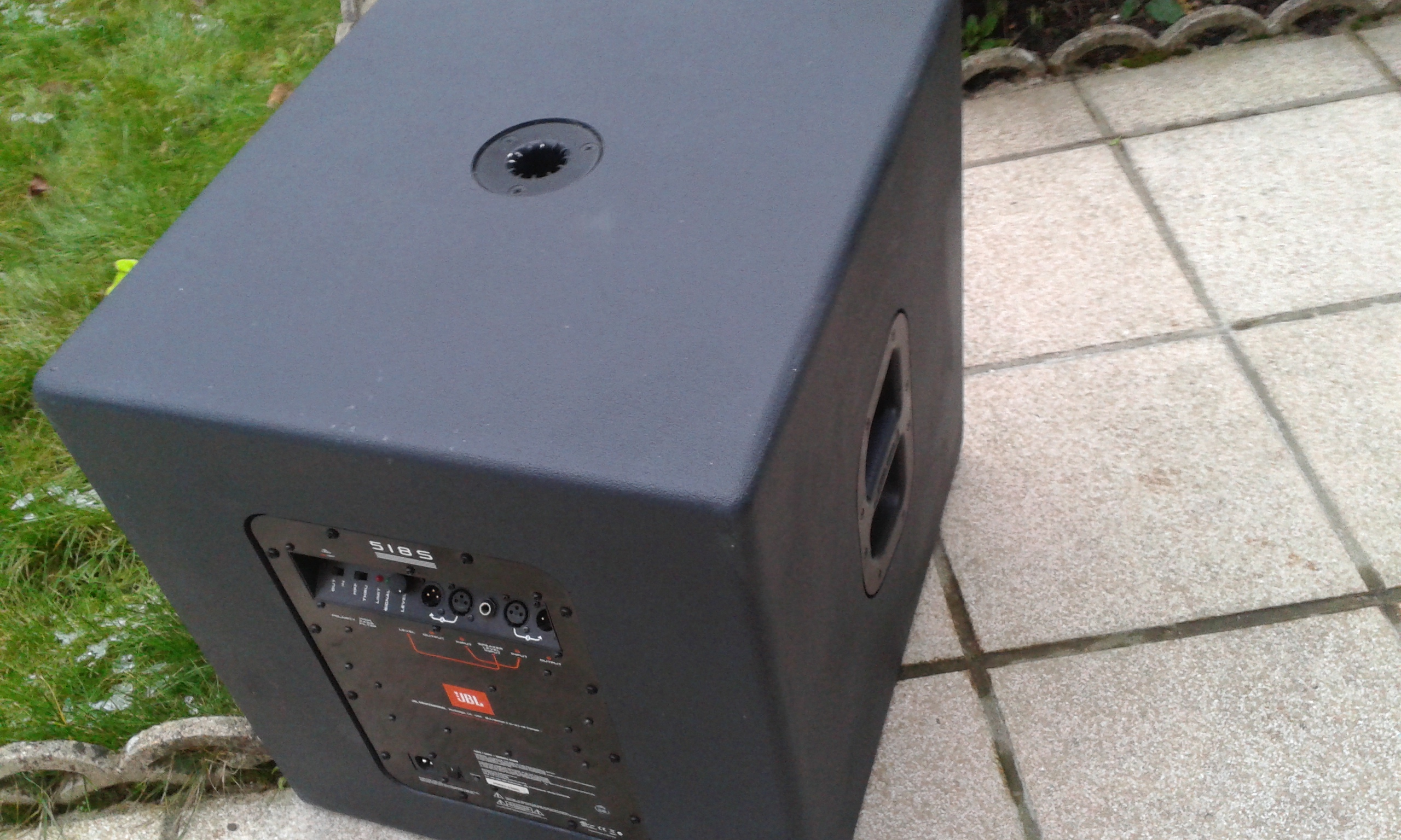 jbl eon 518s image 1874745 audiofanzine rh en audiofanzine com JBL EON 515 jbl eon 518s specs
