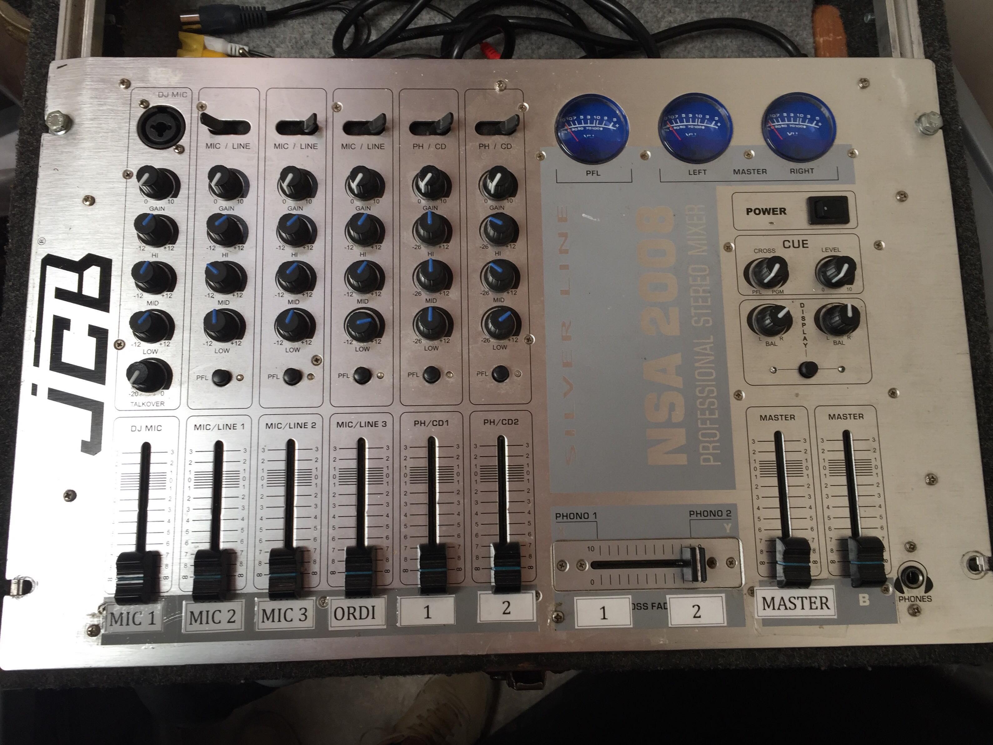 table de mixage jcb nsa 2010