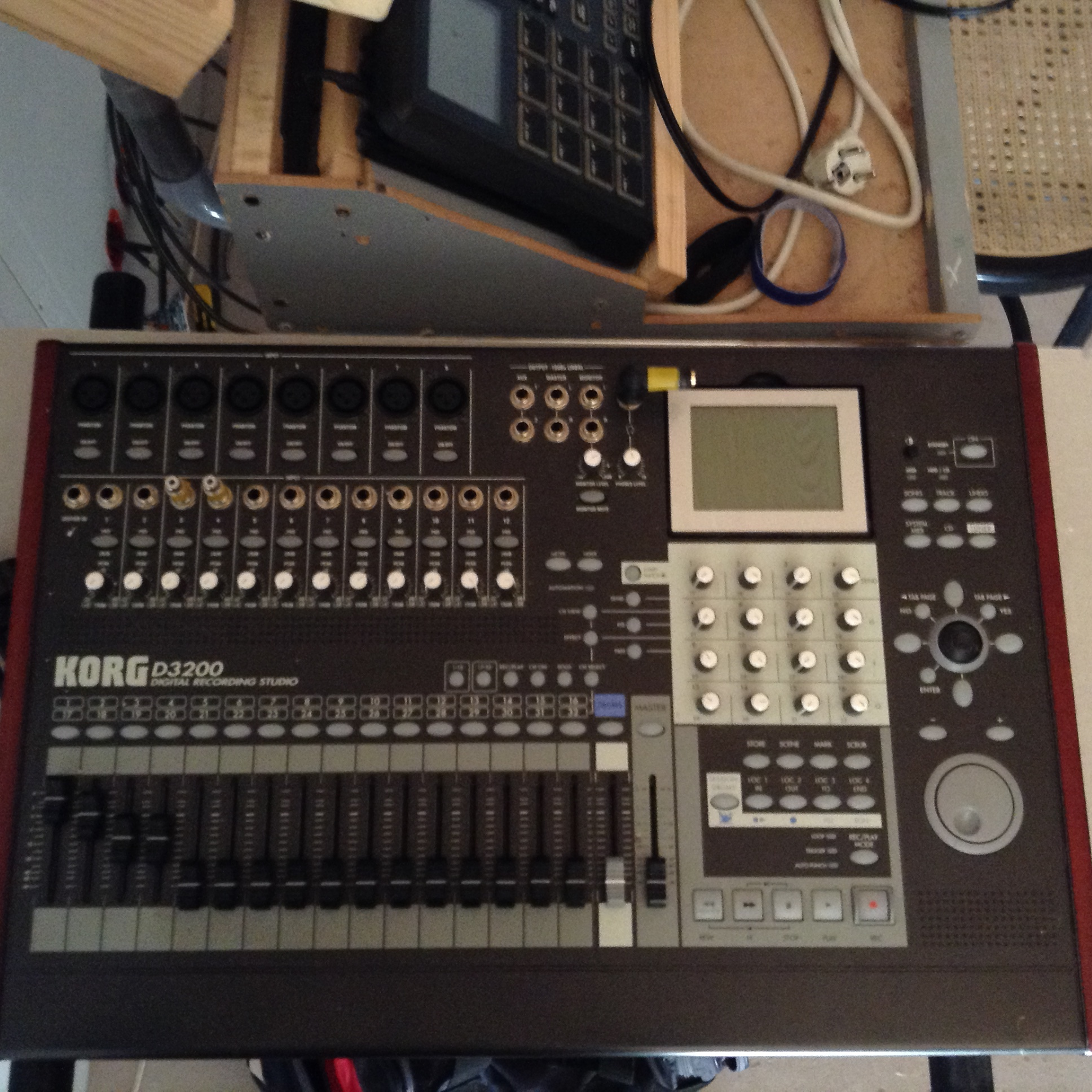 table de mixage korg d3200
