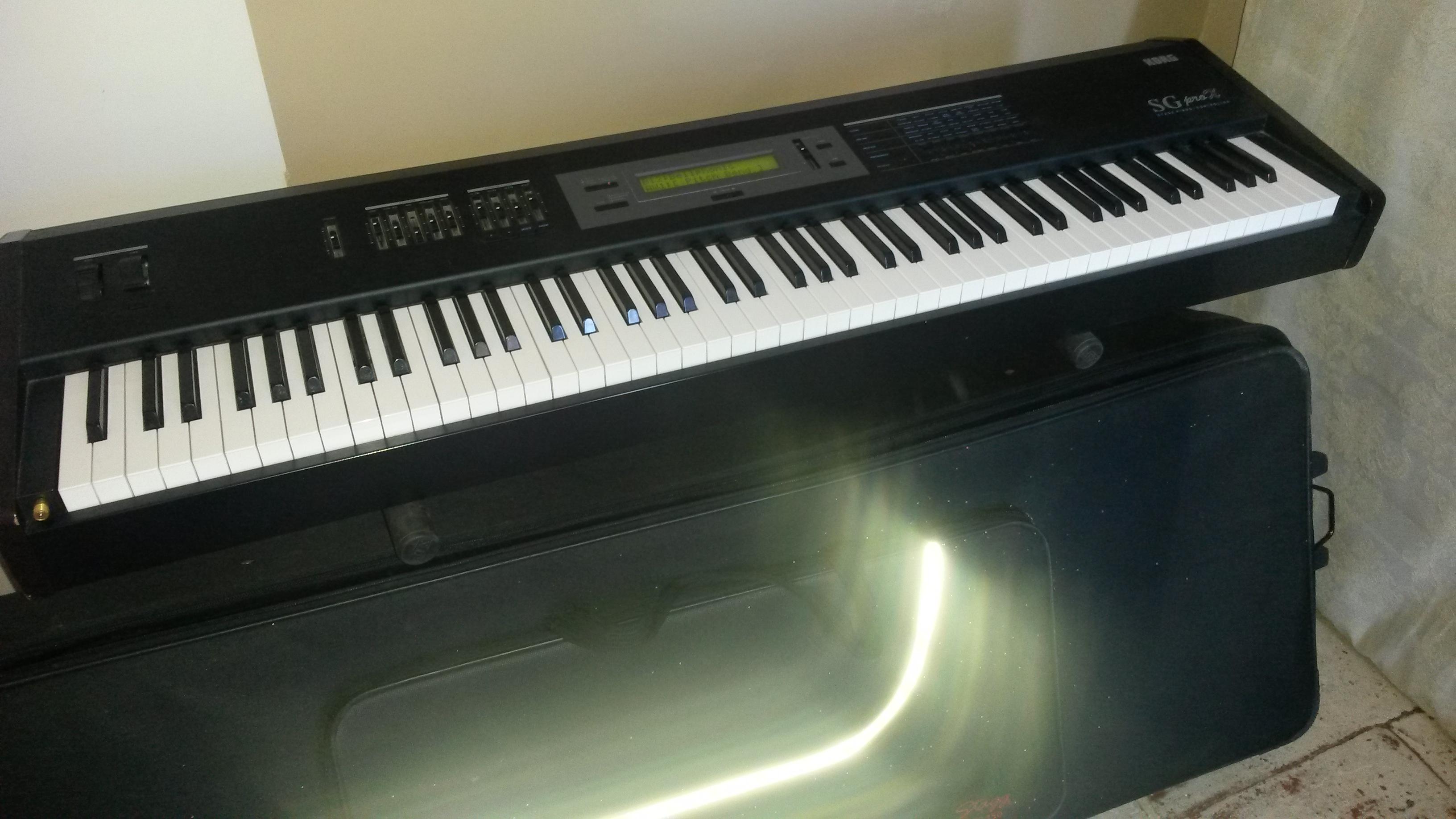 piano de scene avec pied et housse languedoc roussillon audiofanzine. Black Bedroom Furniture Sets. Home Design Ideas
