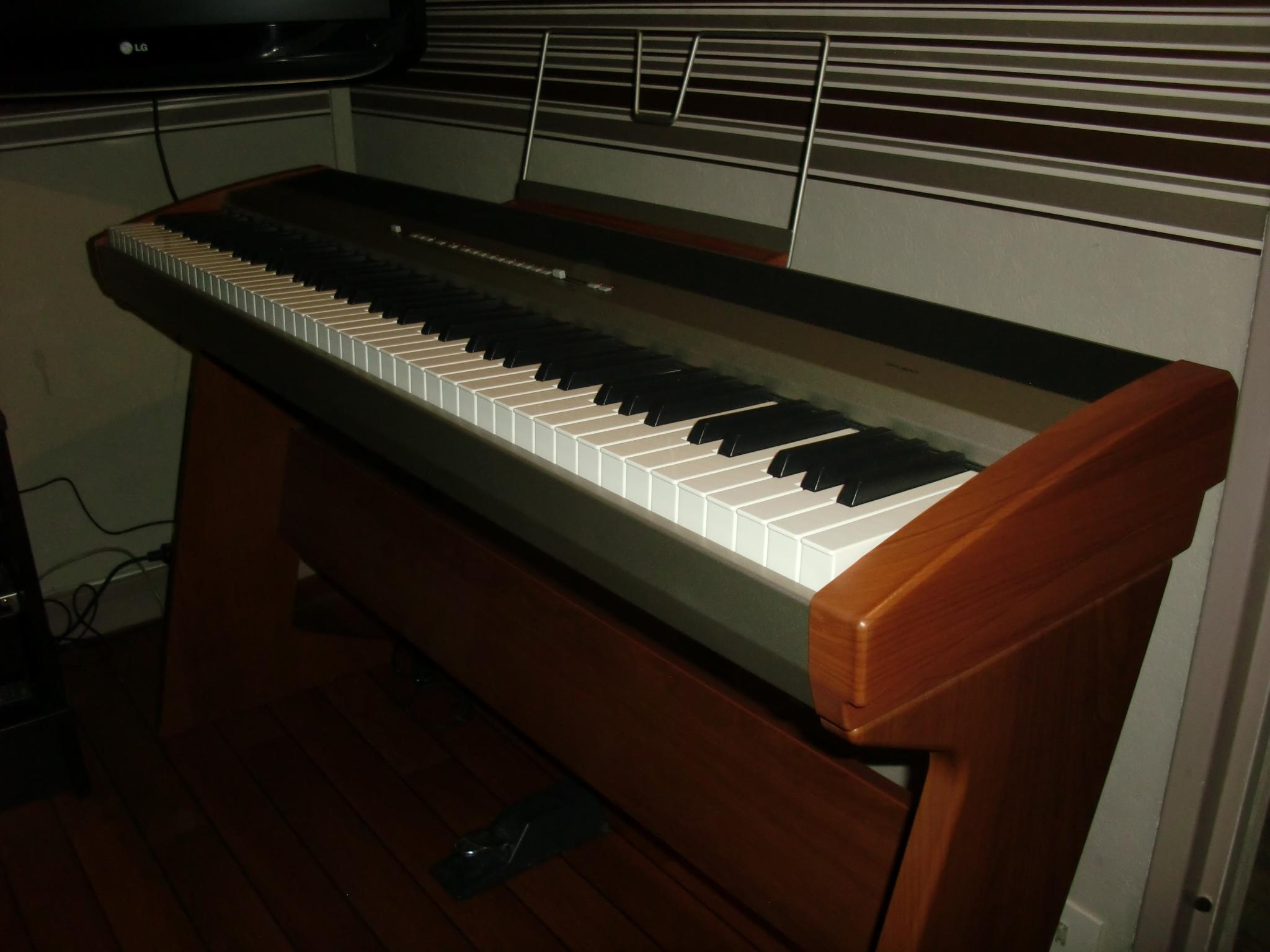 piano korg sp 300 ile de france audiofanzine. Black Bedroom Furniture Sets. Home Design Ideas