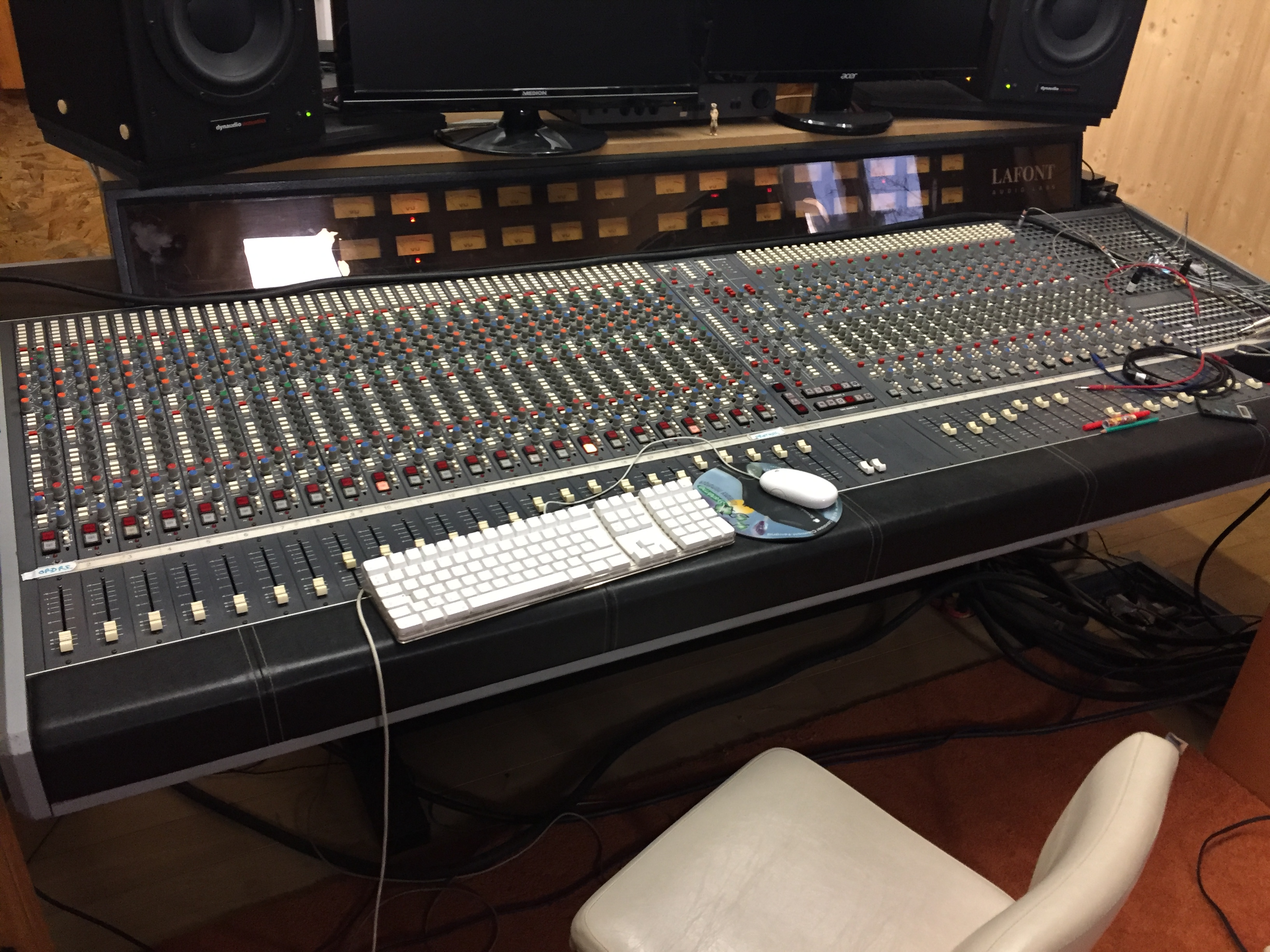 Console analogique lafont 40 voies auvergne audiofanzine - Console analogique occasion ...