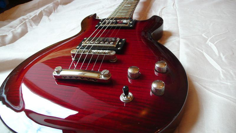 guitare electrique lag roxane 500