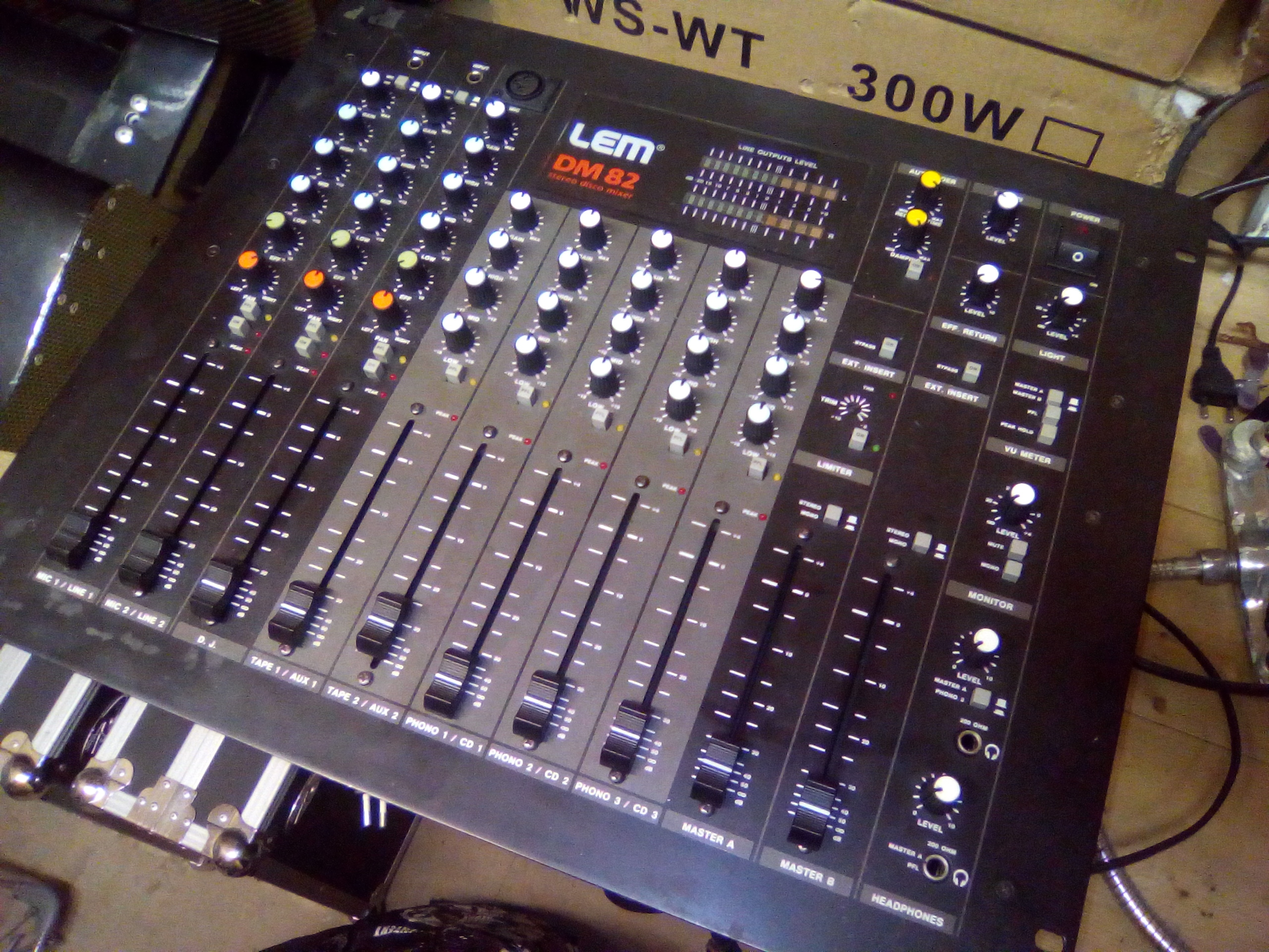 table de mixage lem dm 82