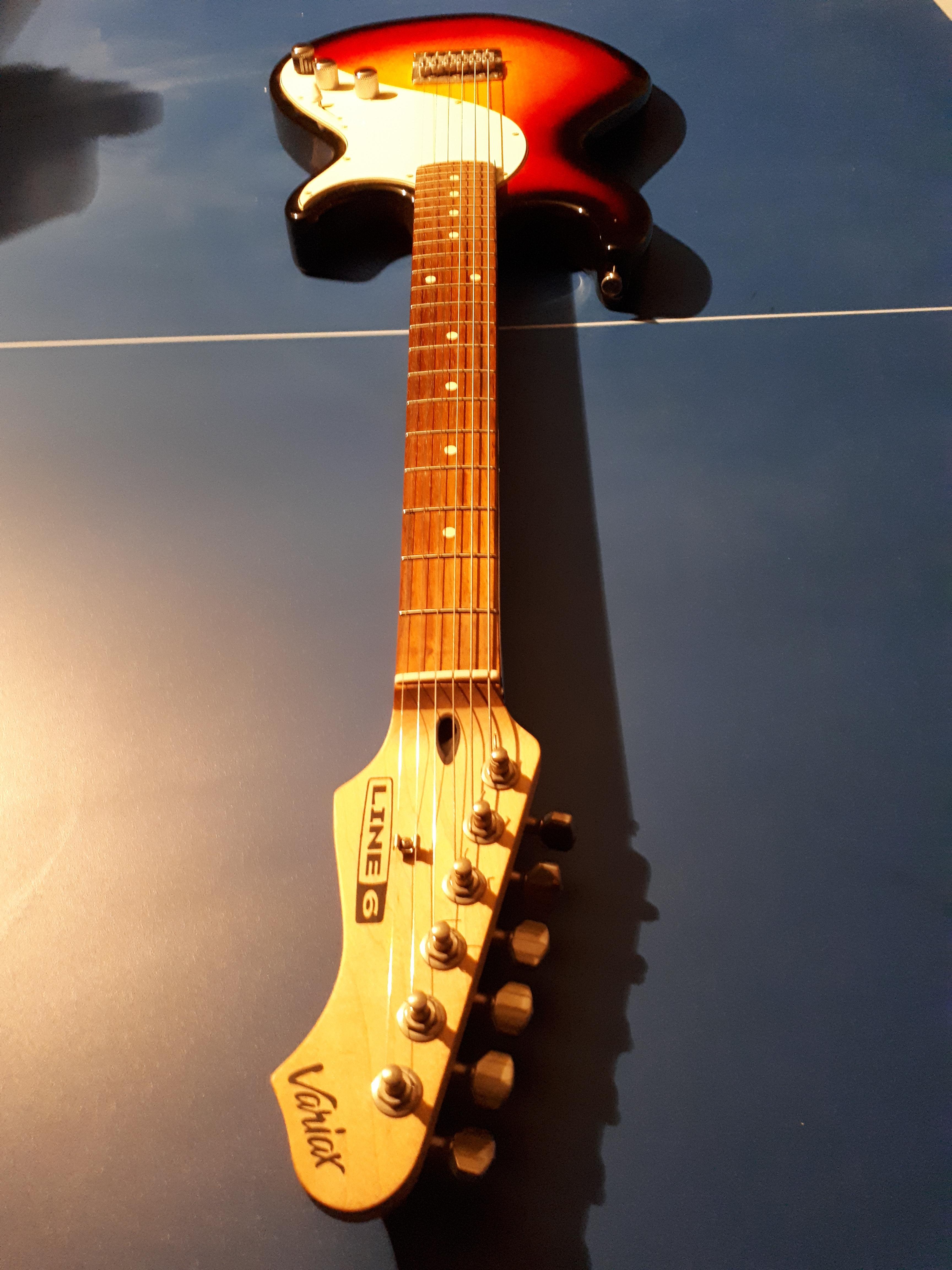 guitare electrique line 6 variax 300