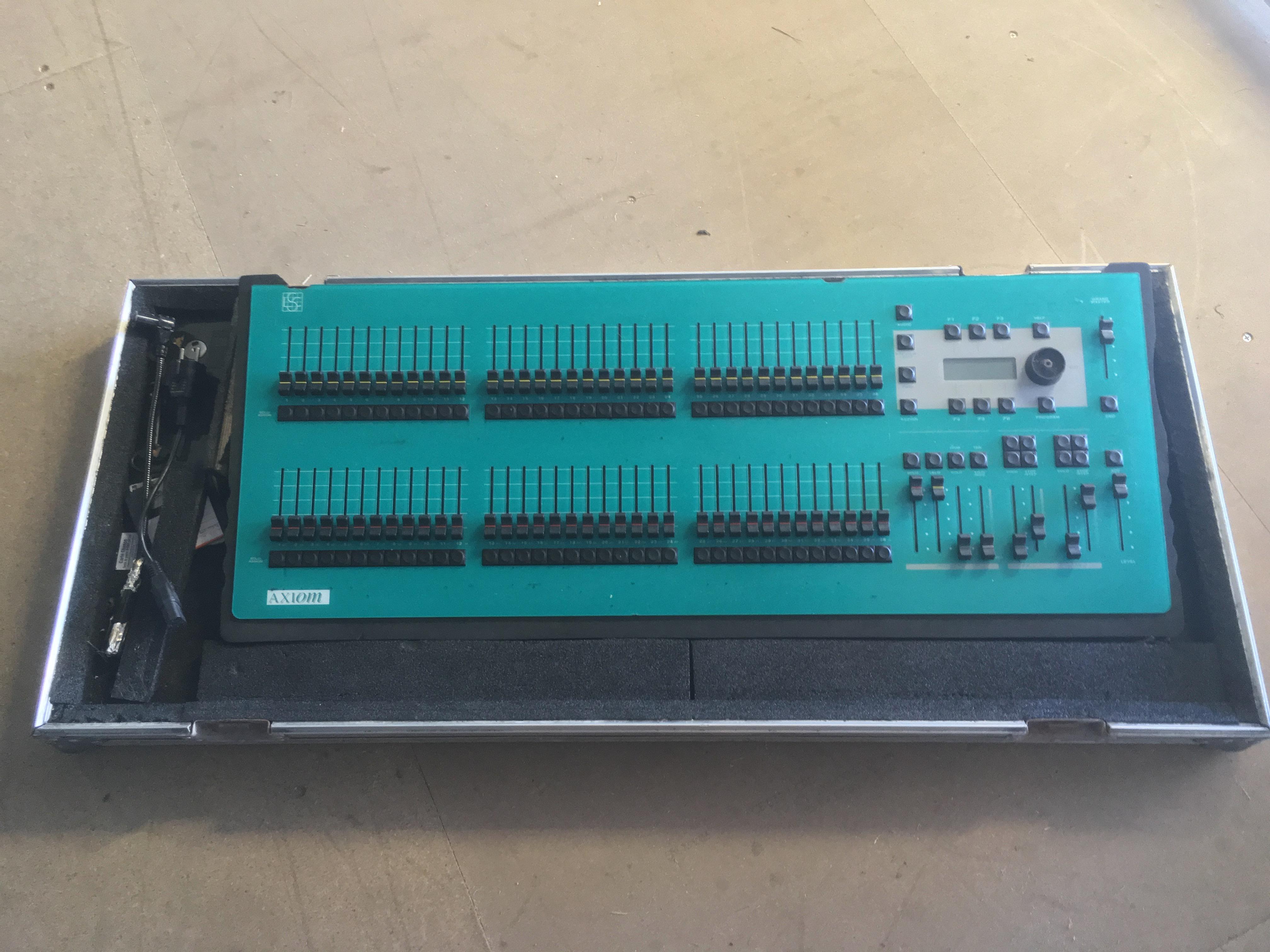 LSC Lighting Systems Axiom 36/72 image (#2027171) - Audiofanzine