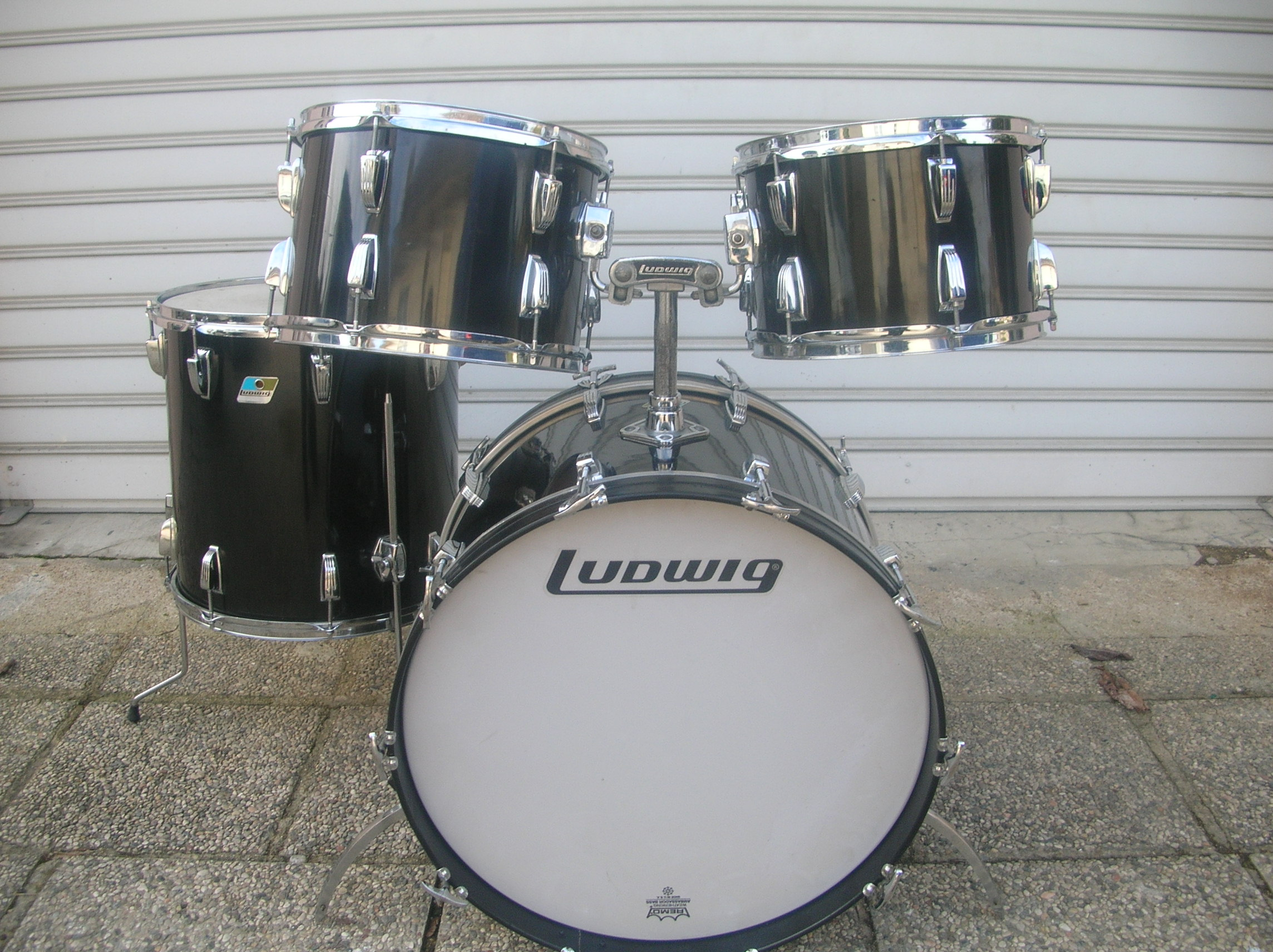 Ludwig drums ludwig vintage image 638700 audiofanzine for Classic house drums