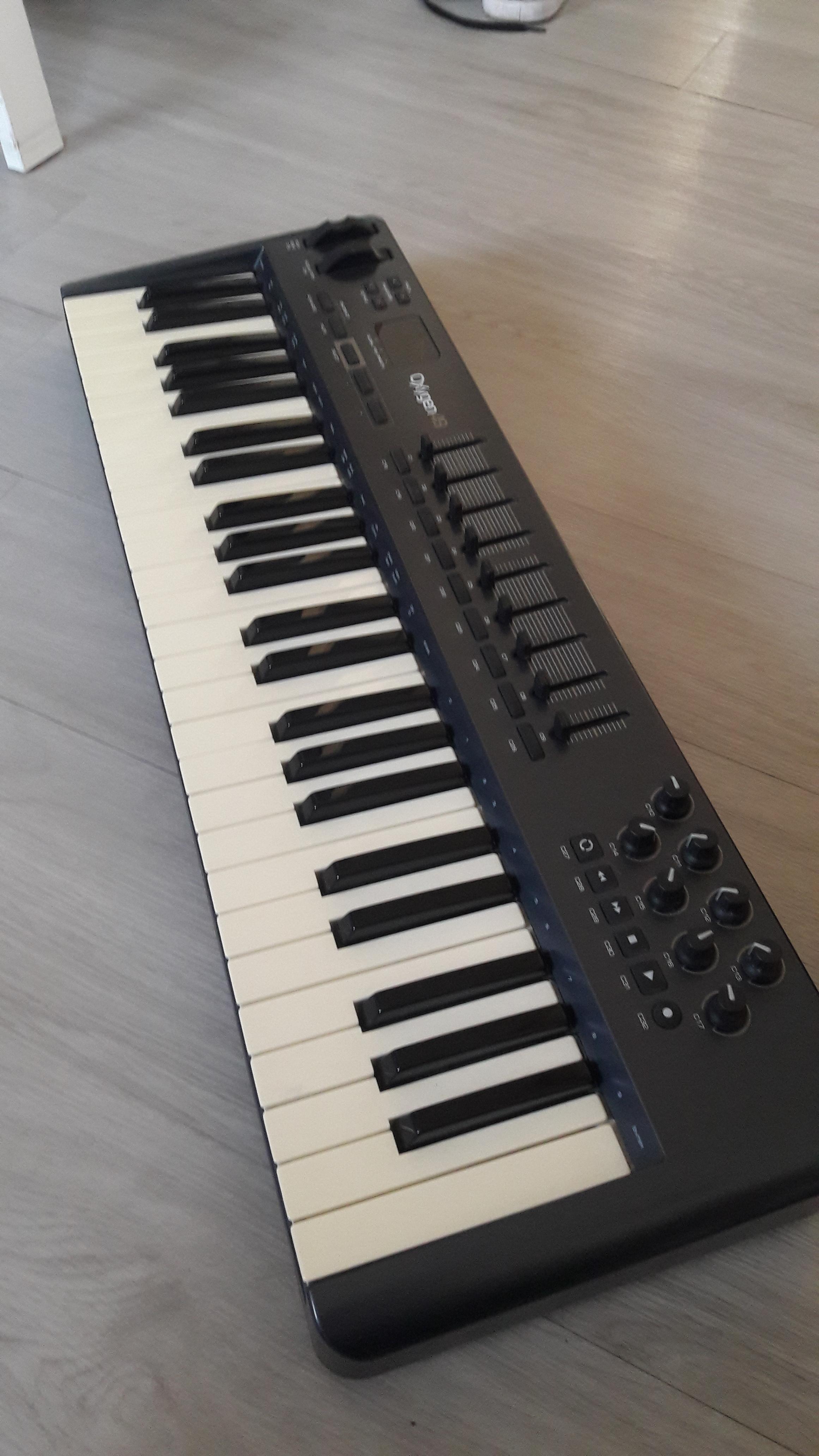 vend clavier midi m audio oxygen 49 ile de france. Black Bedroom Furniture Sets. Home Design Ideas