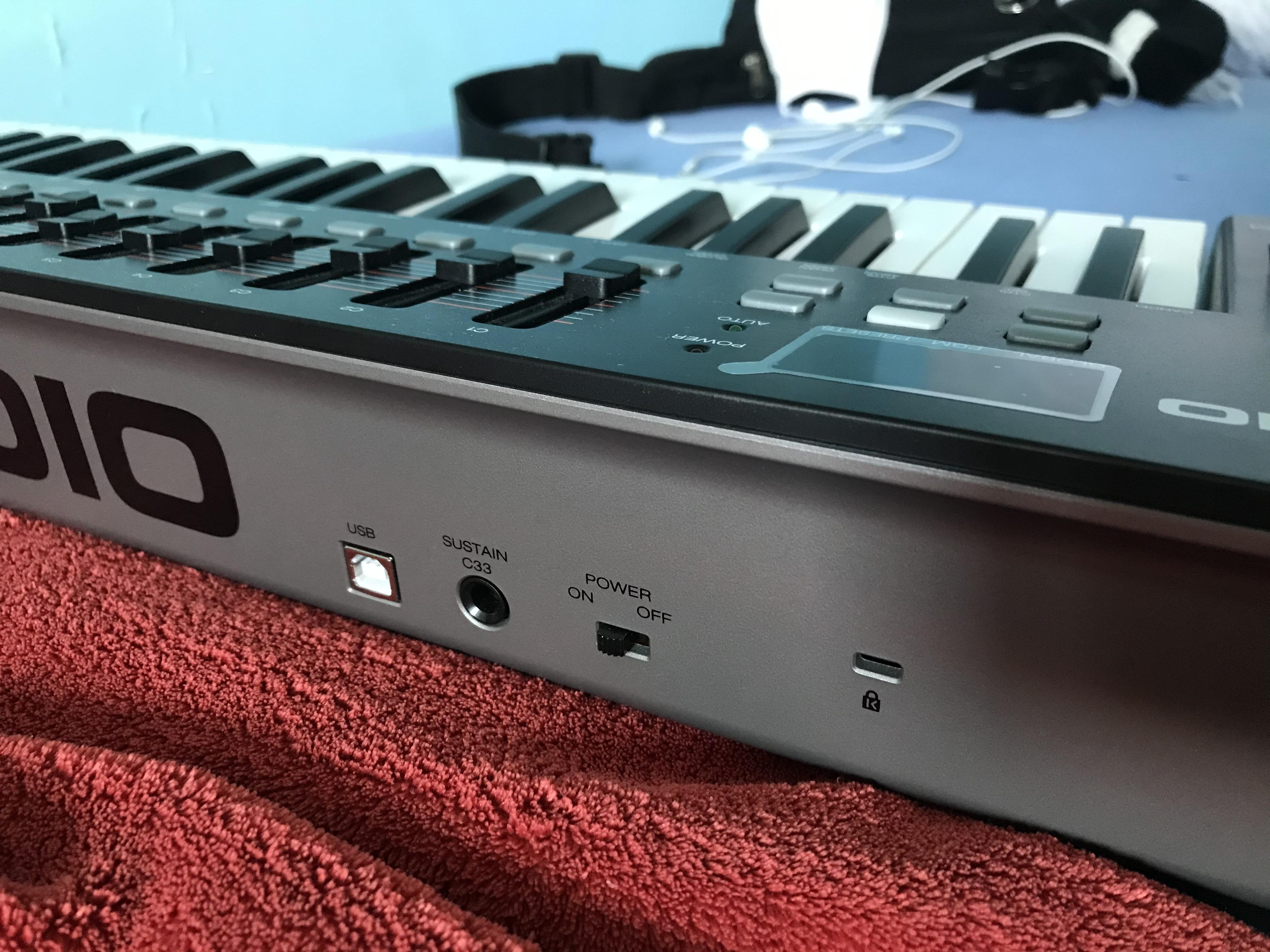 M AUDIO Oxygen 49 Mk IV Keyboard Abdeckung von Viktory
