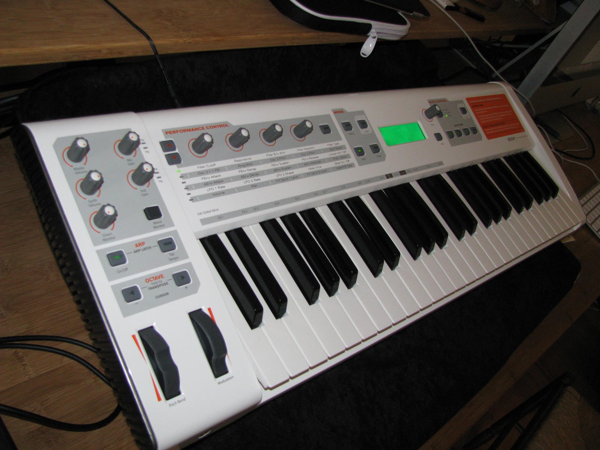 m audio venom image 280163 audiofanzine rh en audiofanzine com M-Audio Venom Back m audio venom manuel