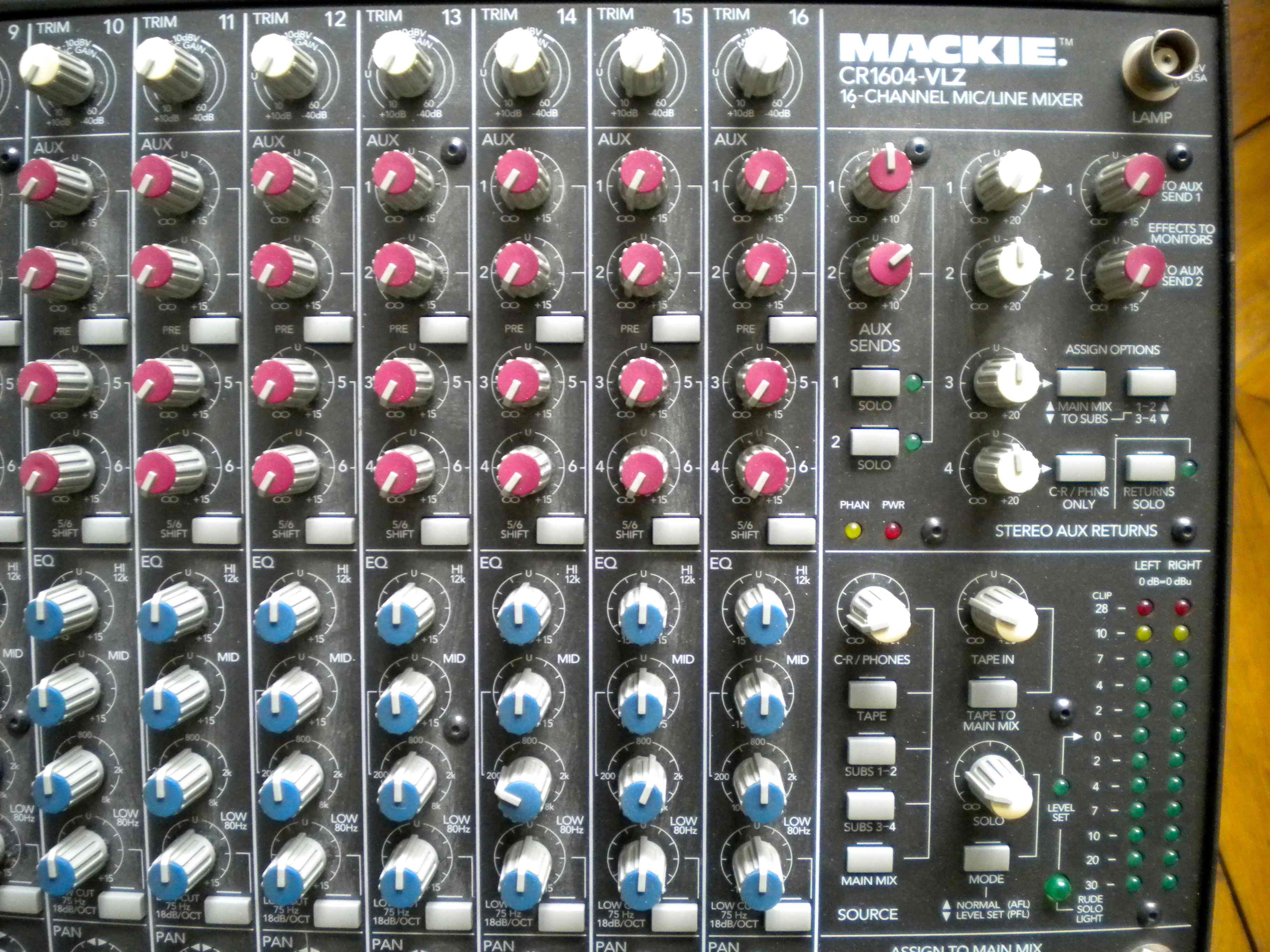What all can i hook up to a mackie 1202 vlz