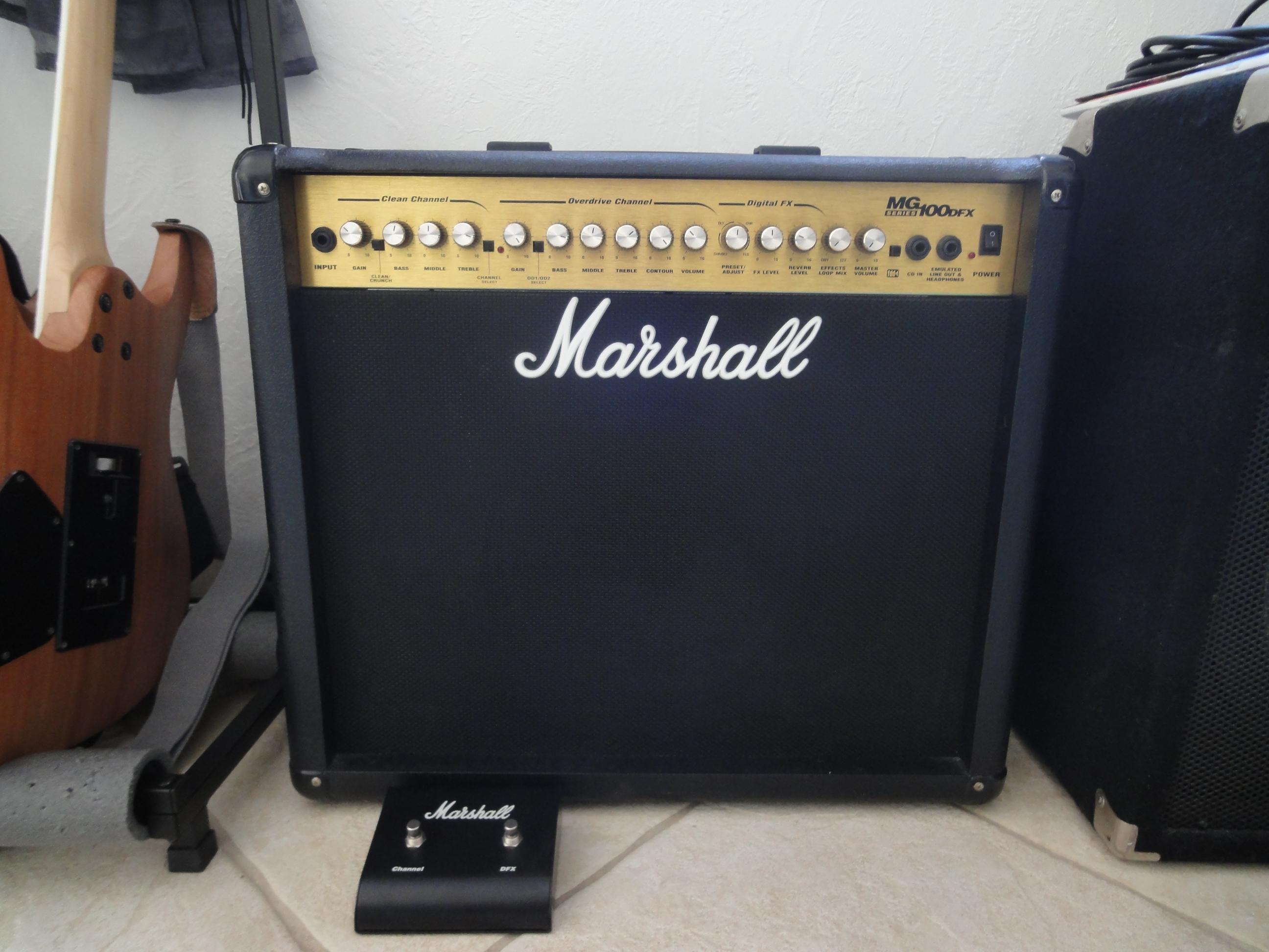 marshall mg100dfx image 1549717 audiofanzine. Black Bedroom Furniture Sets. Home Design Ideas