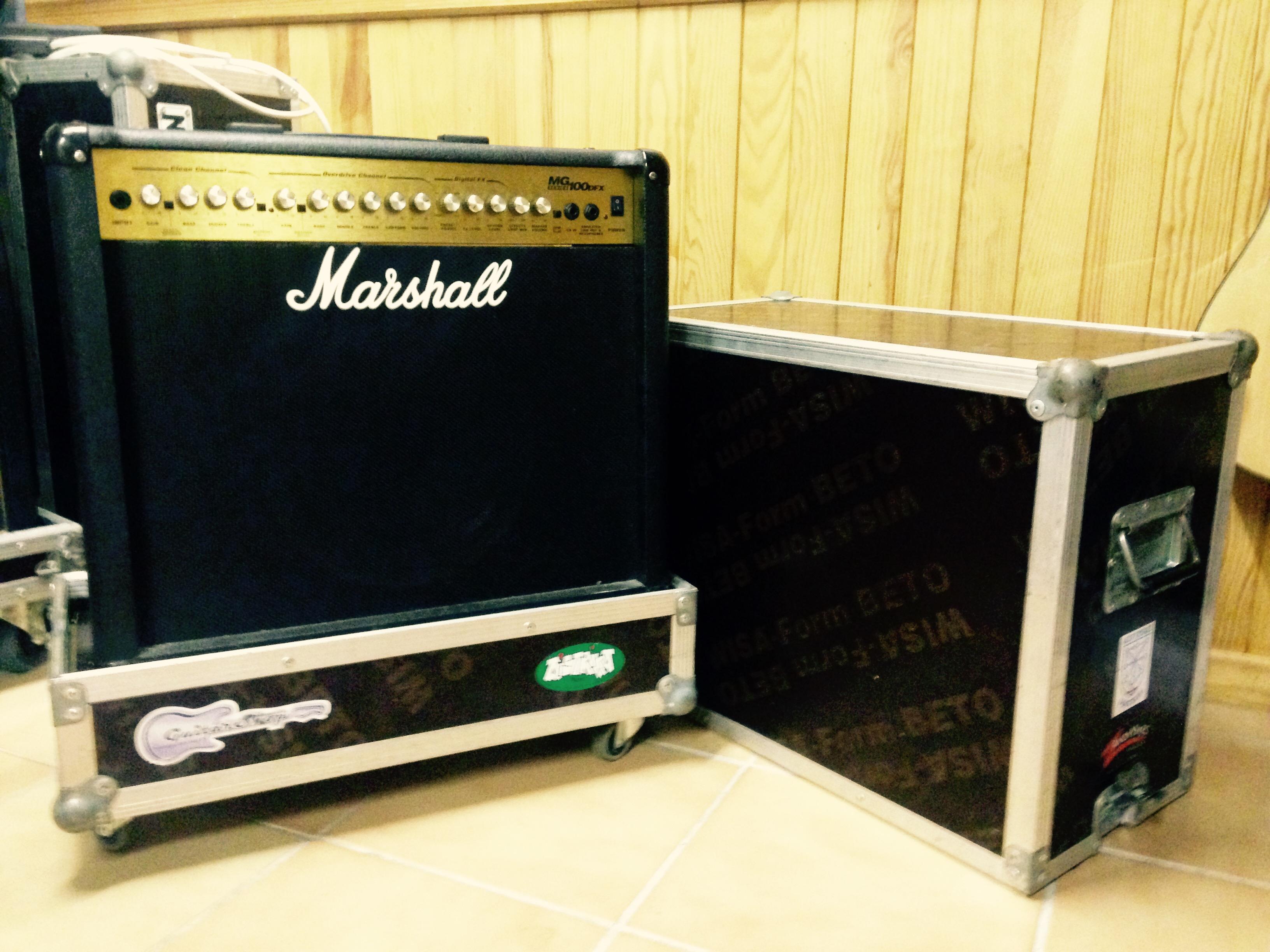 marshall mg100dfx image 1697280 audiofanzine. Black Bedroom Furniture Sets. Home Design Ideas
