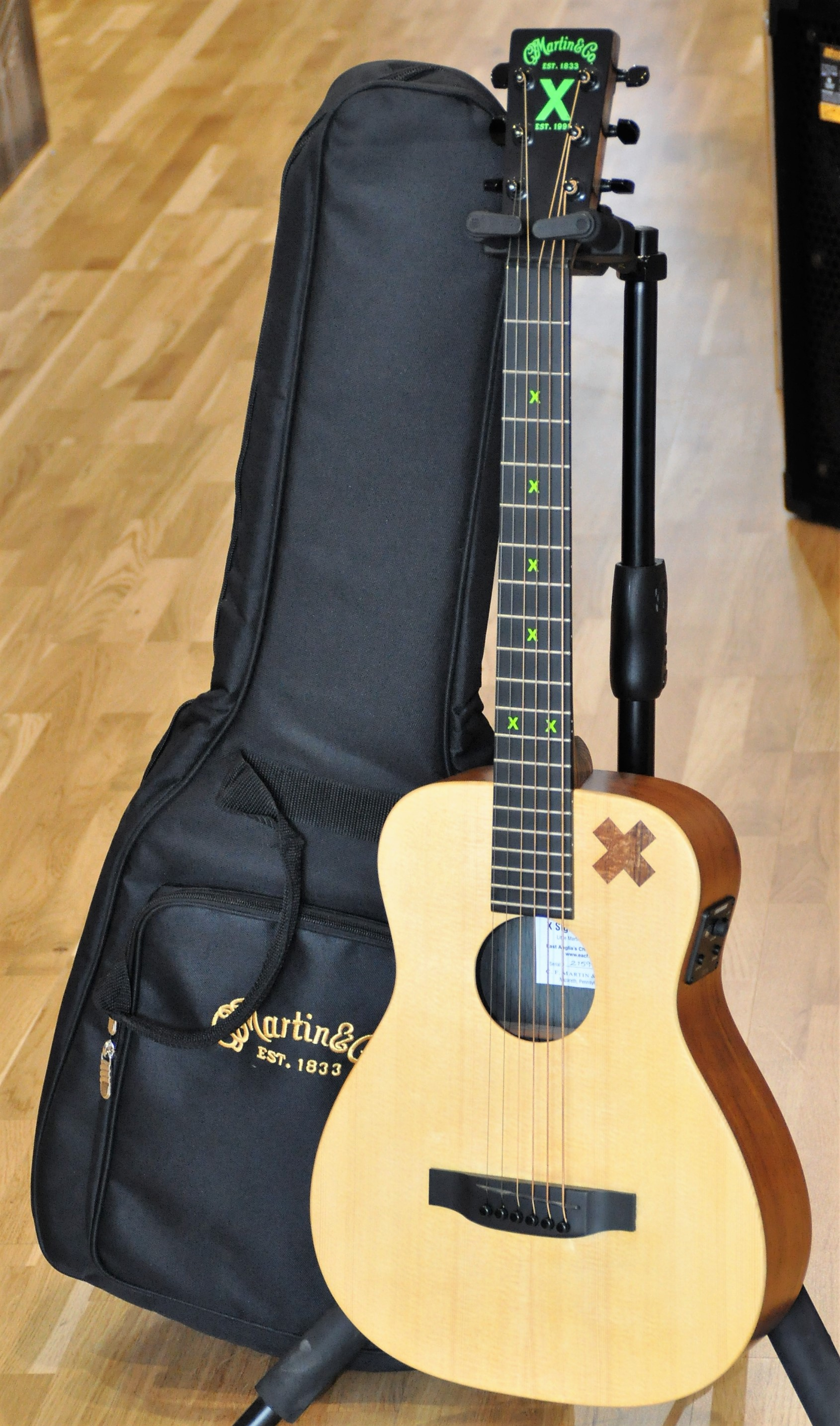 guitare electro martin co ed sheeran 2 gaucher ile de. Black Bedroom Furniture Sets. Home Design Ideas