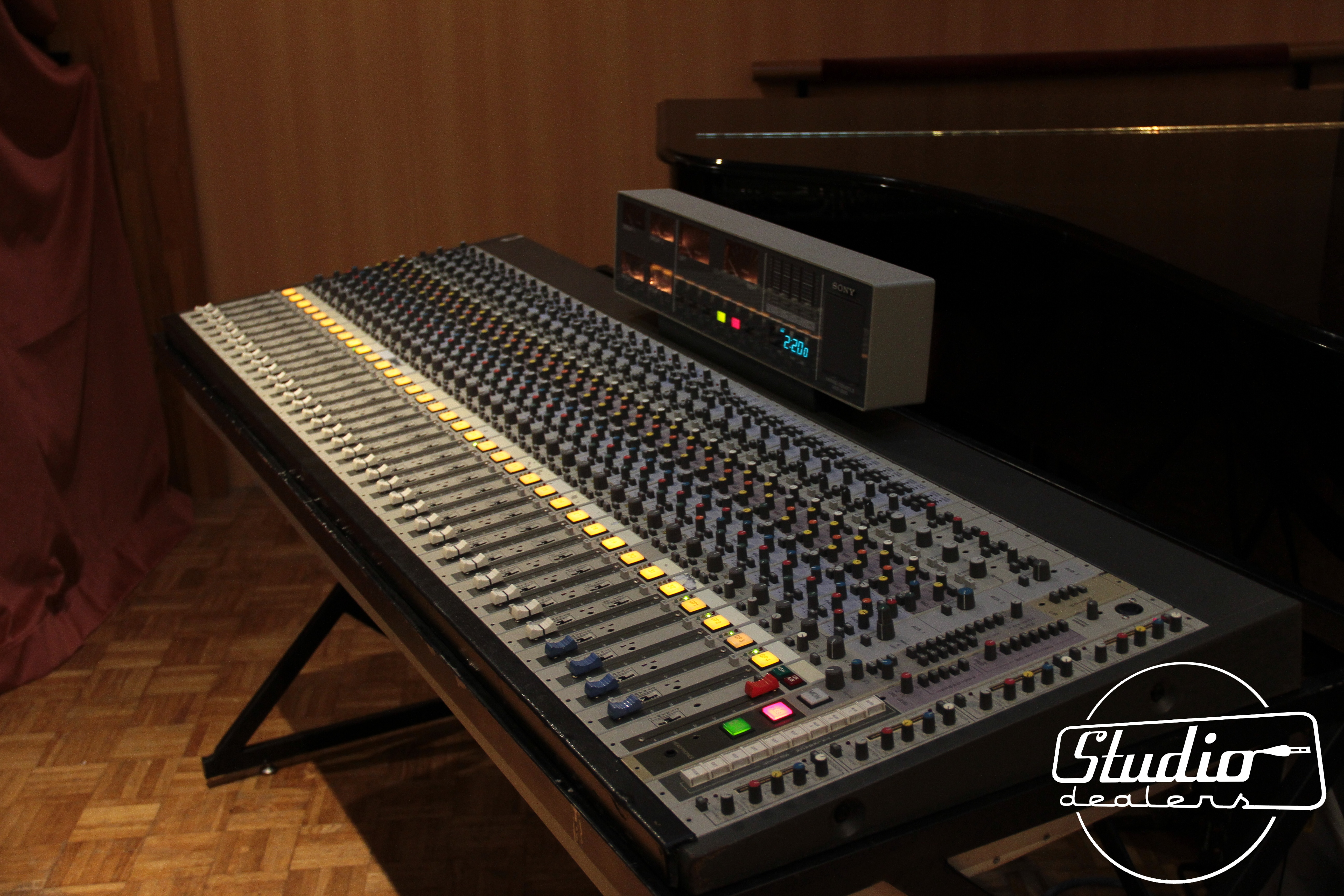 Photo mci mxp2000 mci mxp2000 58964 1815518 audiofanzine - Console analogique occasion ...