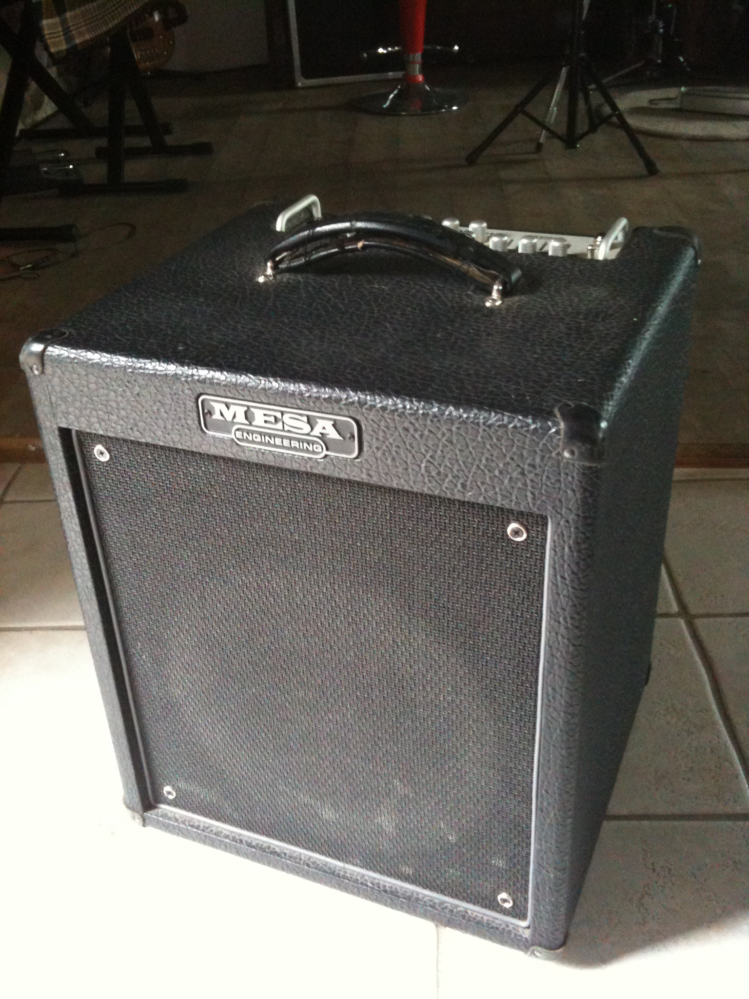 mesa boogie walkabout scout 1x12 combo image 382710 audiofanzine. Black Bedroom Furniture Sets. Home Design Ideas