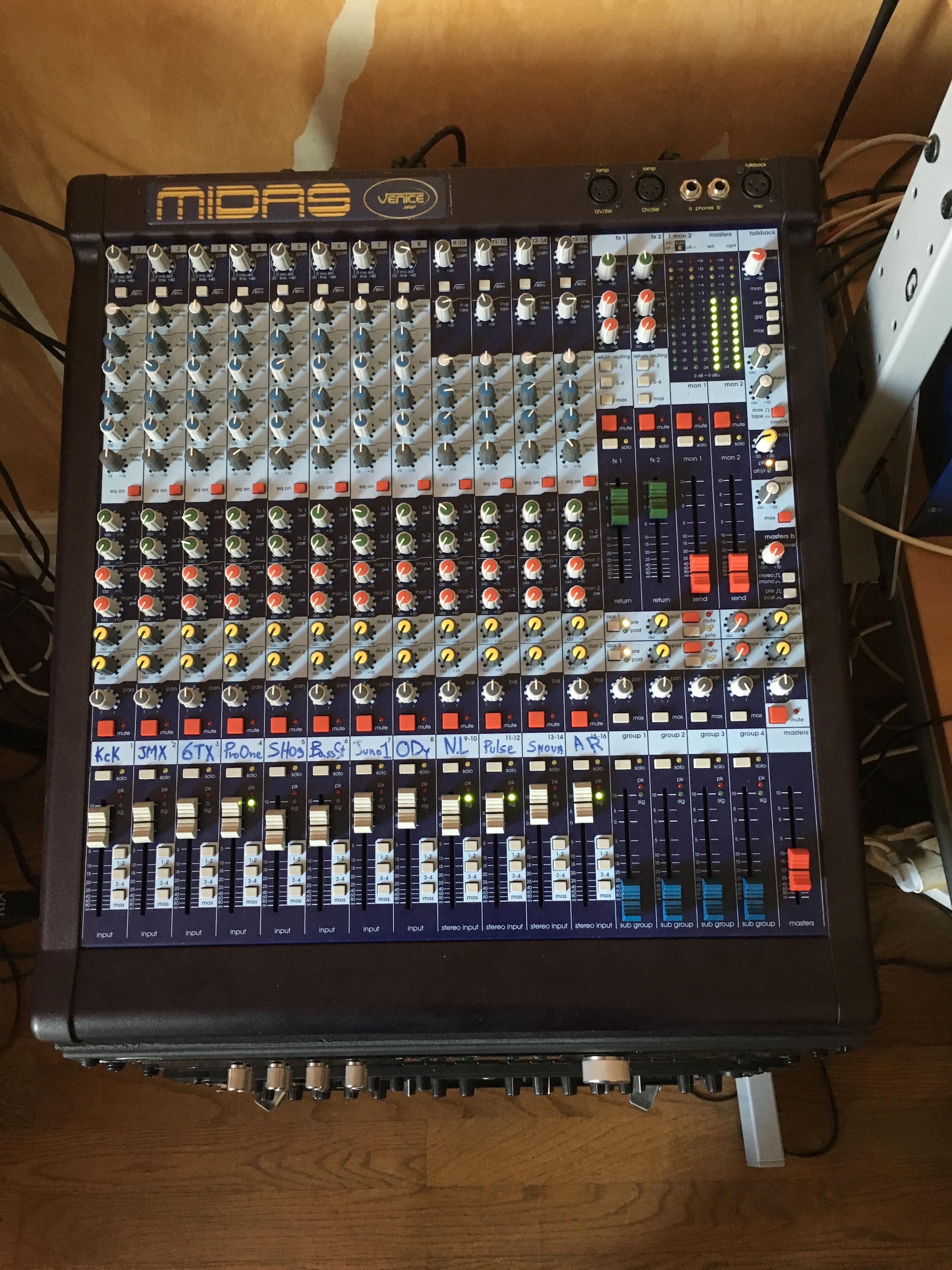 Vends console Midas Venice 160 (Rhône-Alpes) - Audiofanzine
