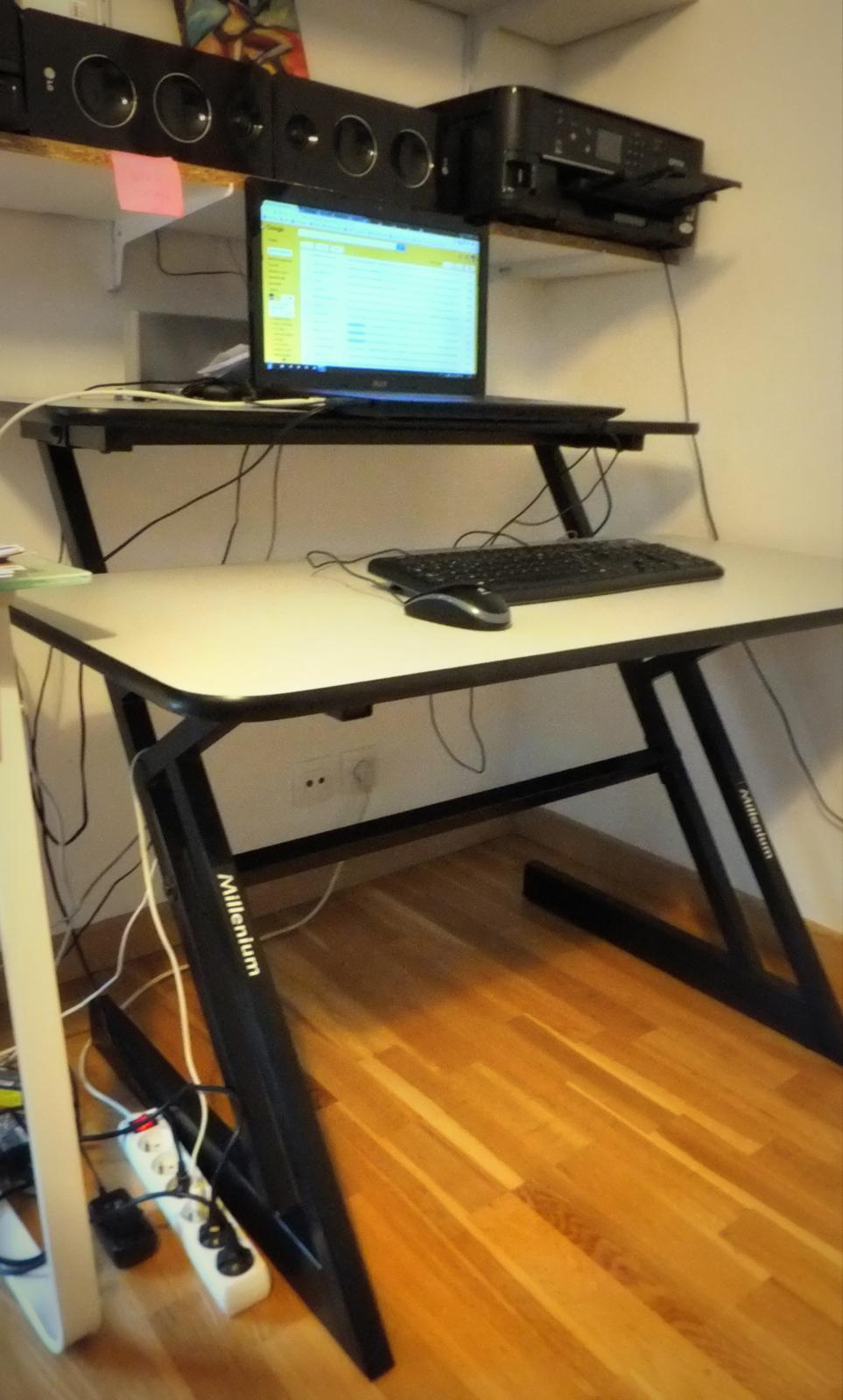 bureau millenium pour studio millenium audiofanzine. Black Bedroom Furniture Sets. Home Design Ideas