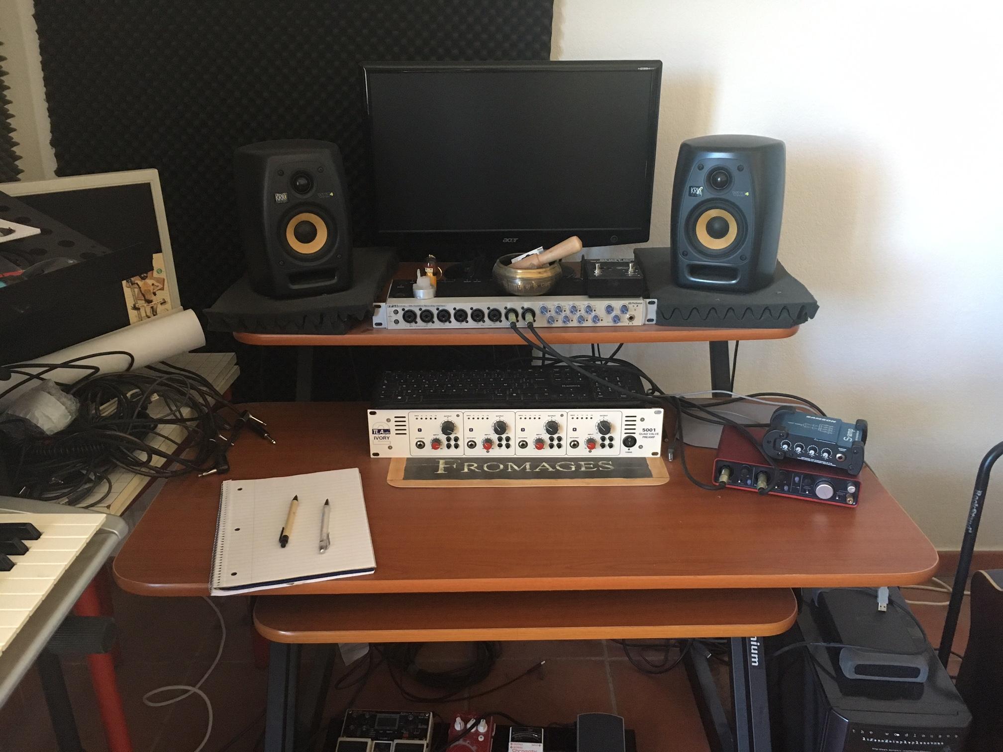 meuble studio millenium provence alpes c te d 39 azur audiofanzine. Black Bedroom Furniture Sets. Home Design Ideas
