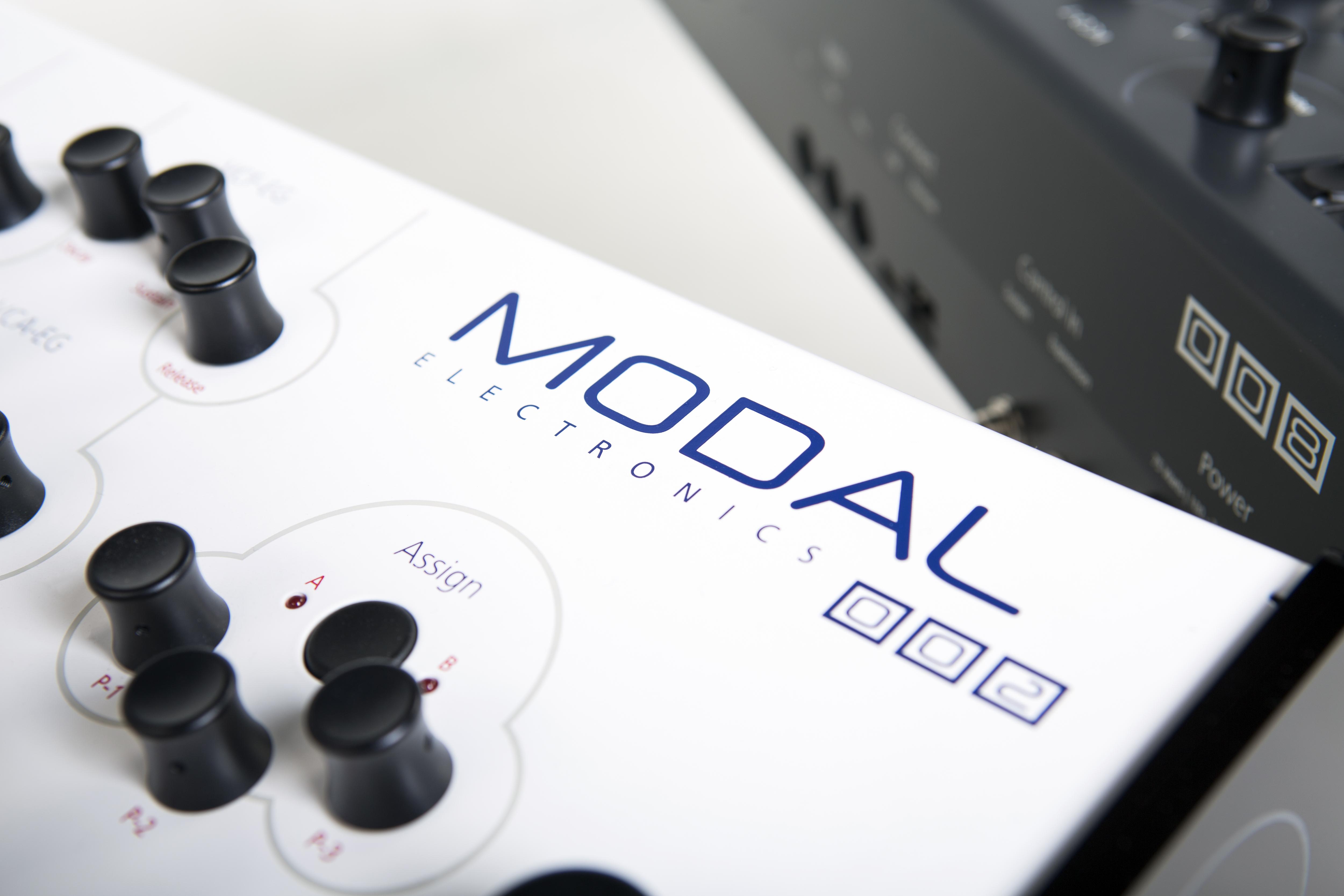 modal electronics modulus 002 image 1675013 audiofanzine. Black Bedroom Furniture Sets. Home Design Ideas