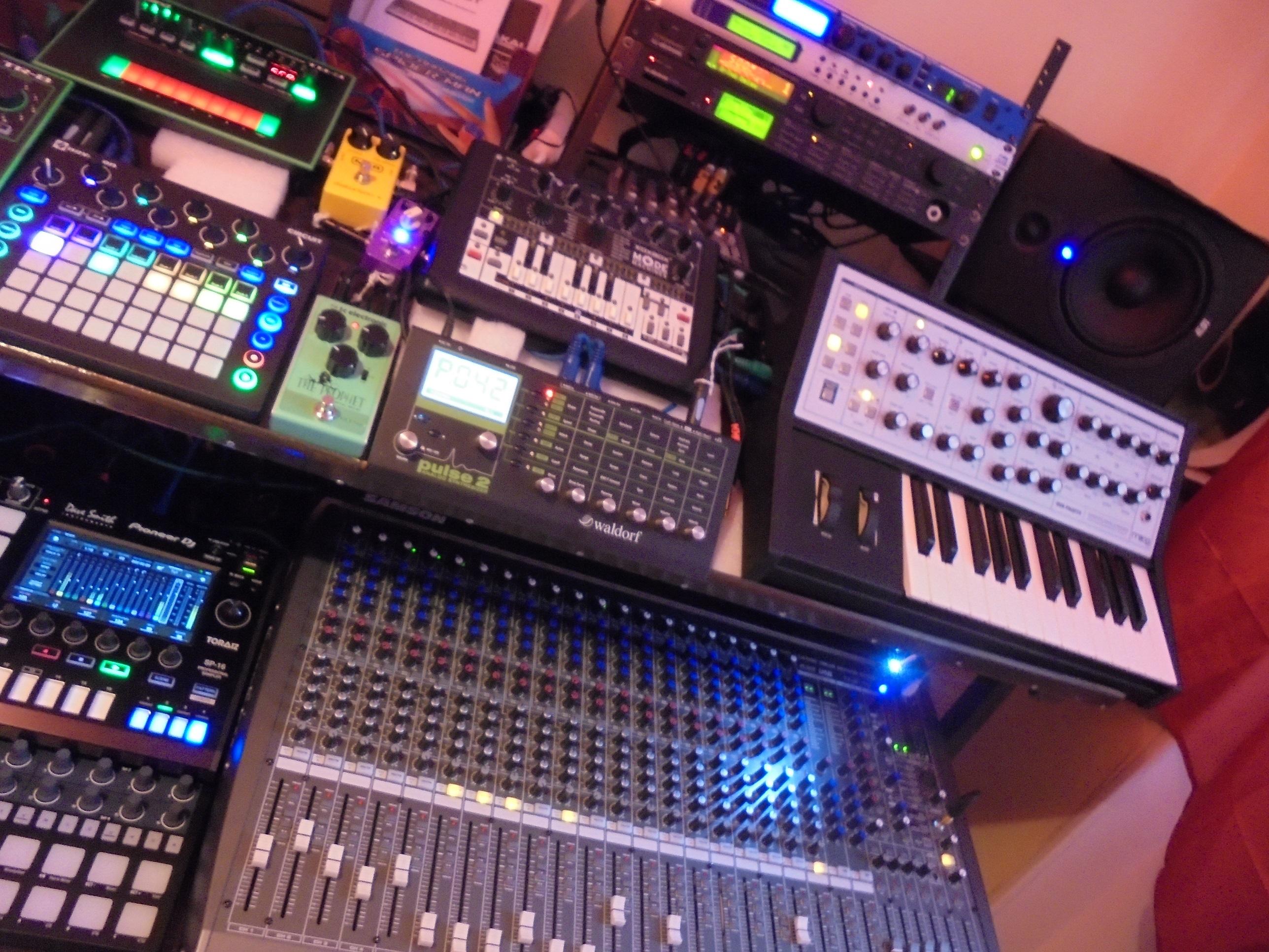 X0XB0X SOCKSBOX - Mode Machines x0xb0x Socksbox - Audiofanzine