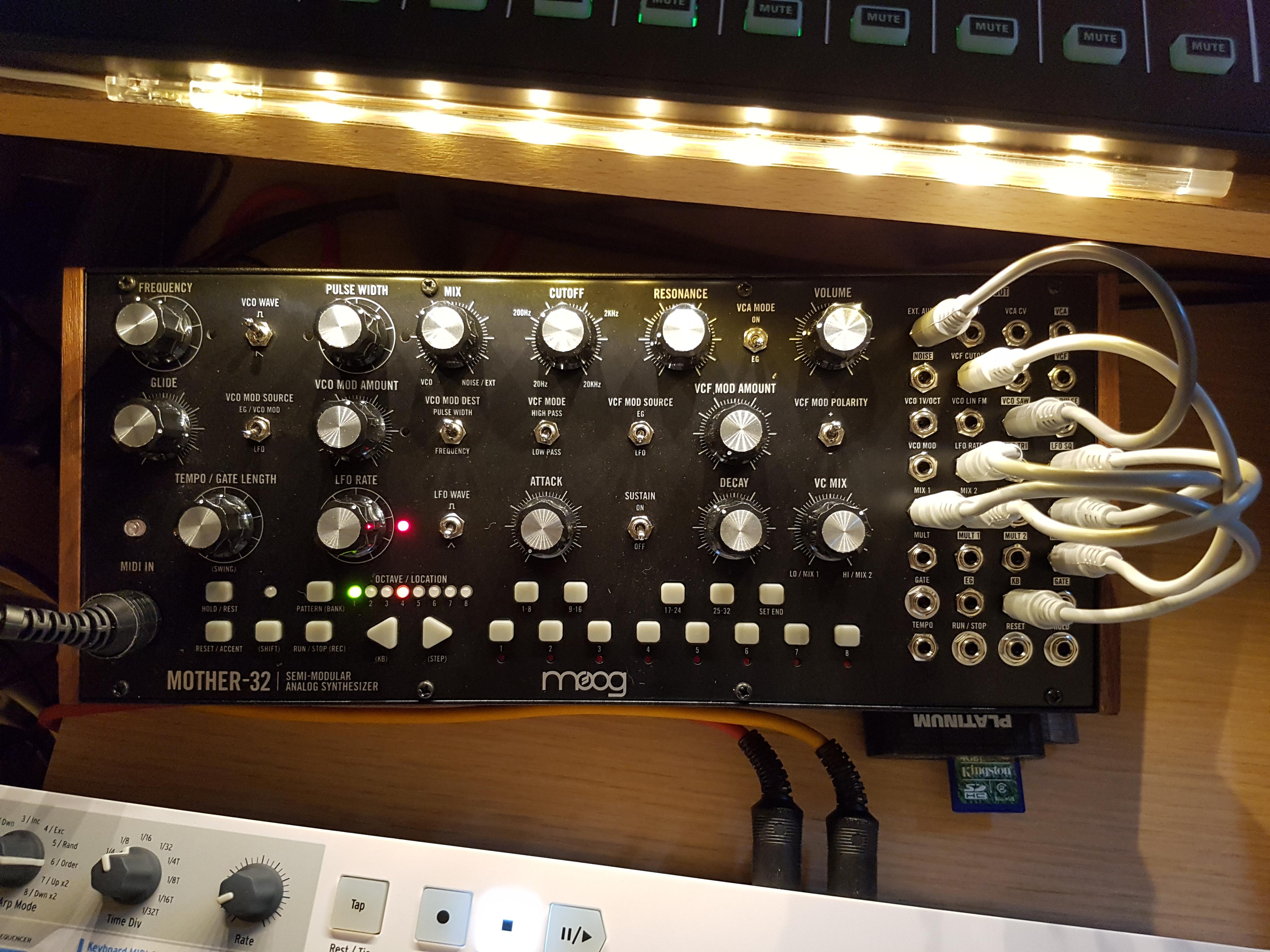 moog music mother 32 image 1810784 audiofanzine. Black Bedroom Furniture Sets. Home Design Ideas