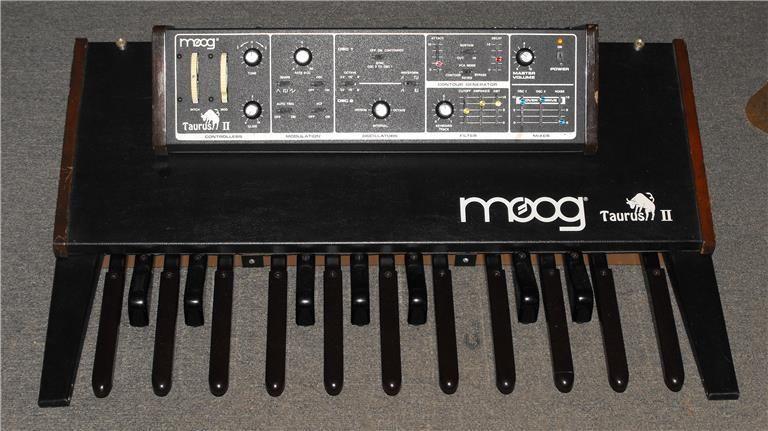 taurus 2 bass pedal moog music taurus 2 bass pedal audiofanzine. Black Bedroom Furniture Sets. Home Design Ideas