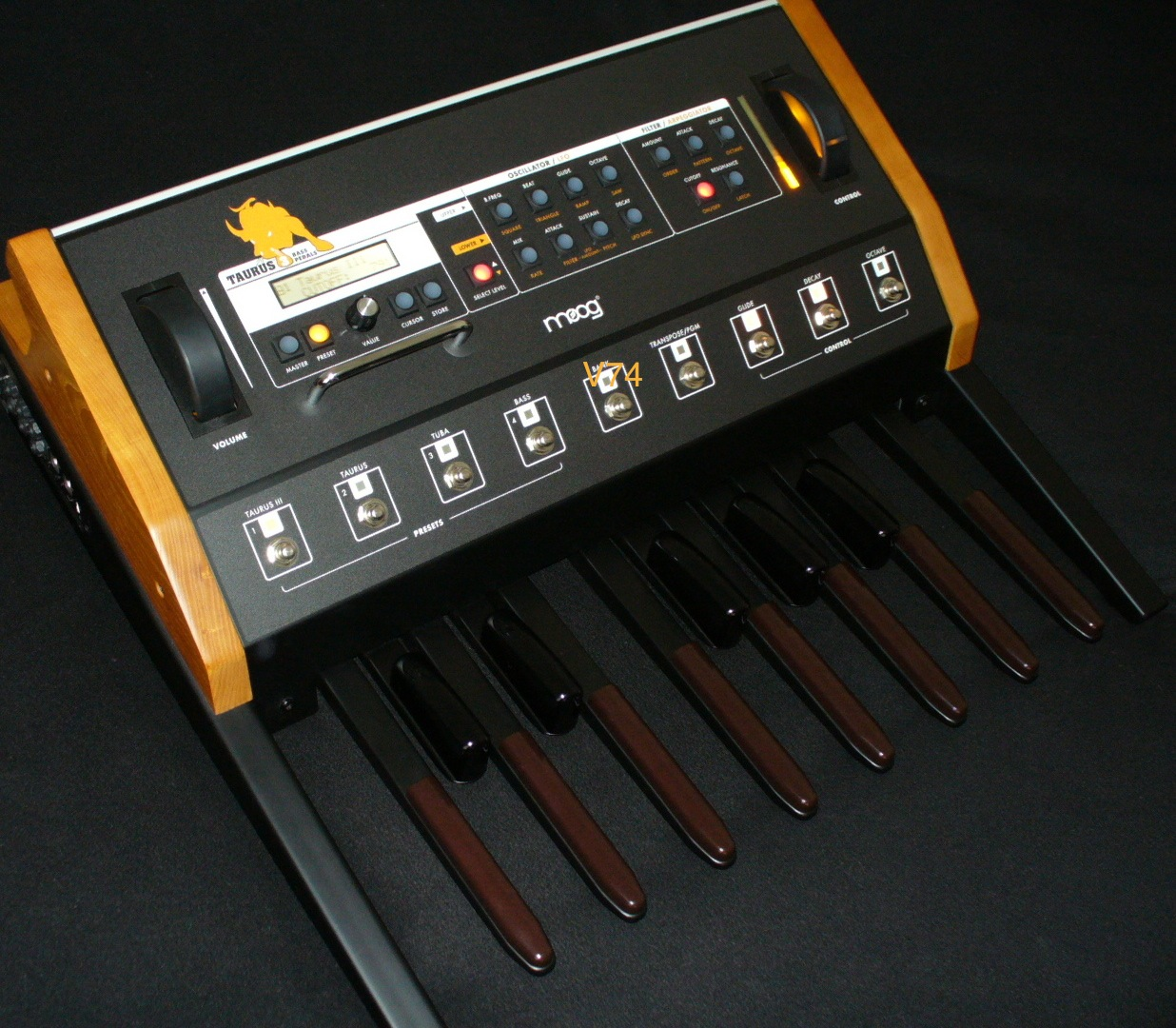 photo moog music taurus 3 bass pedals moog music taurus 3 bass pedals 99206 371700. Black Bedroom Furniture Sets. Home Design Ideas