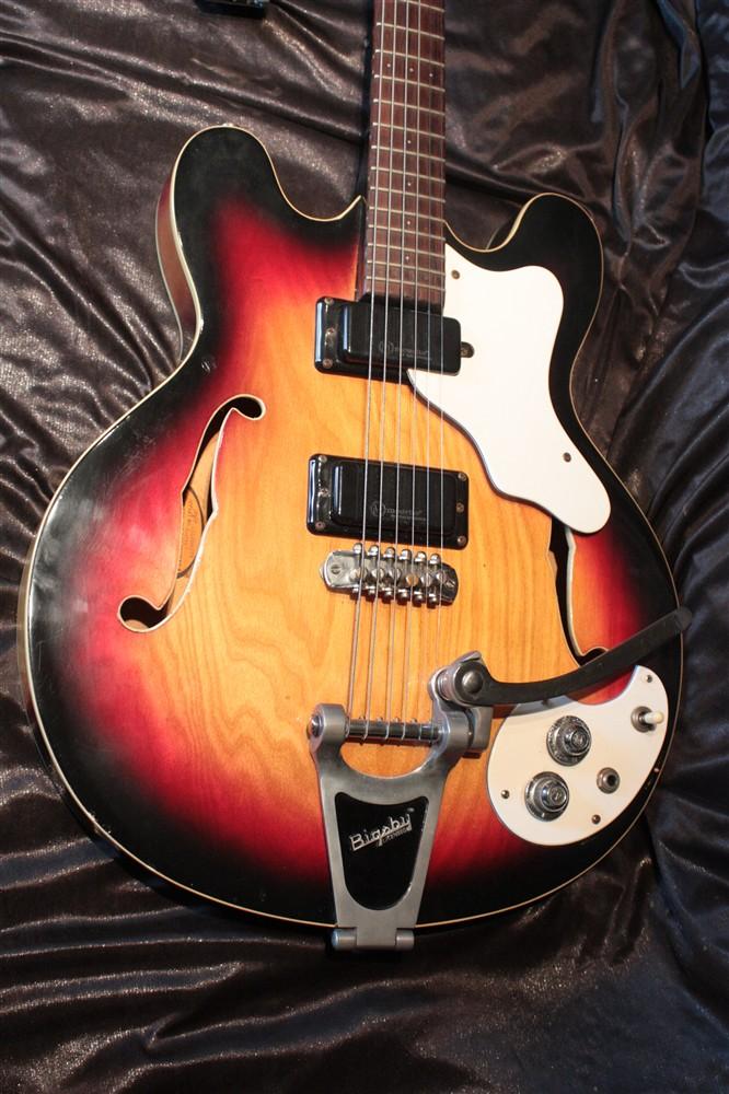 Mosrite Guitars of USA - Ed Roman Guitar