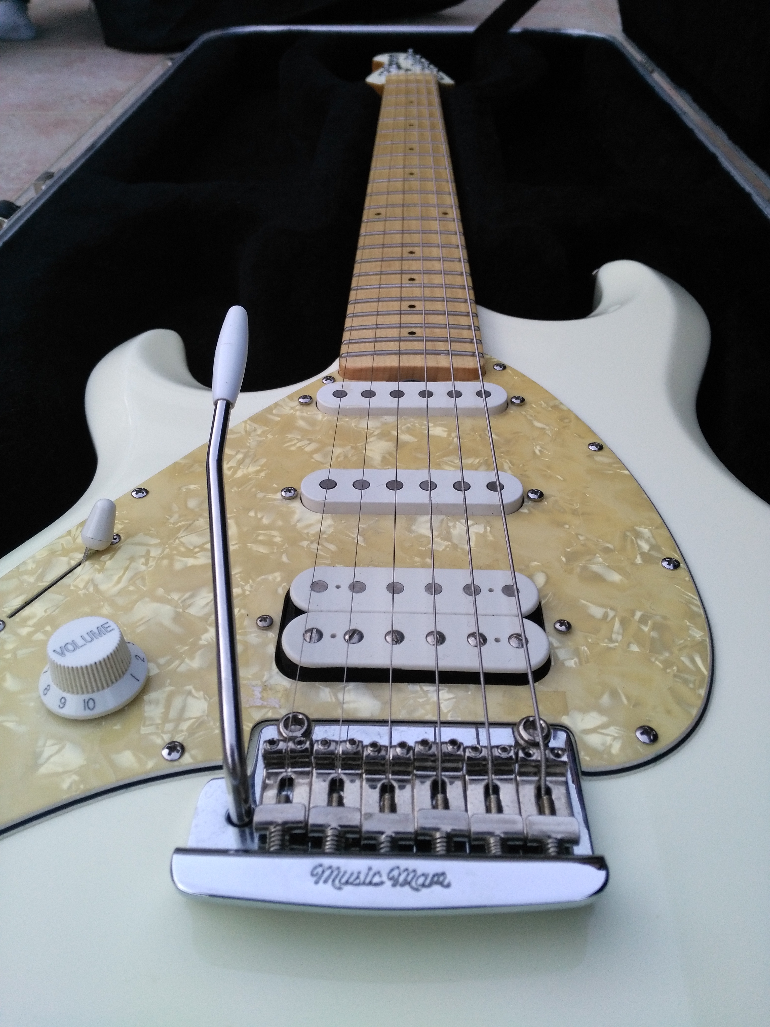 Silhouette Special Music Man Audiofanzine This Is The Musicman Way You Have To Think Of