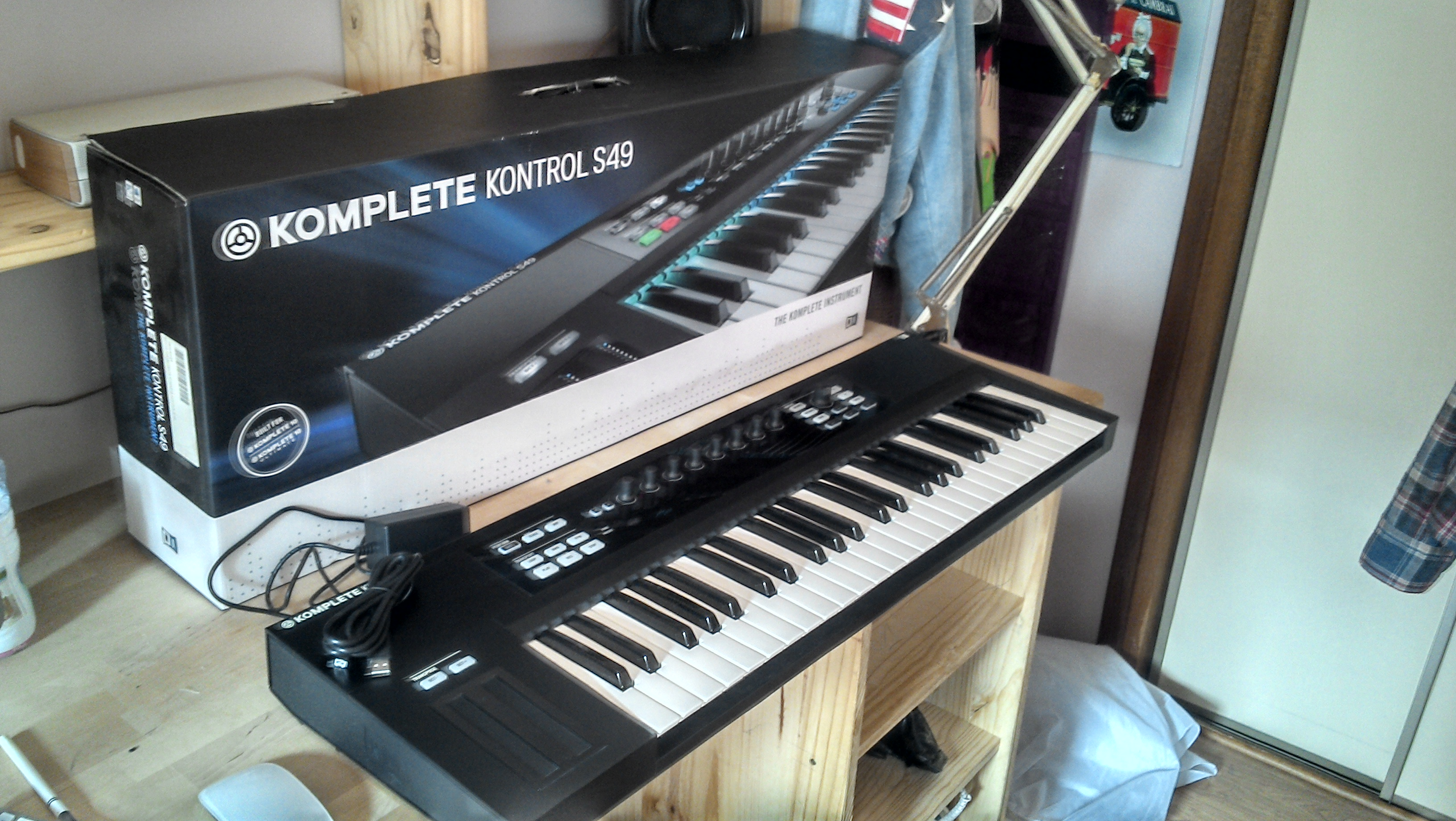native instruments komplete kontrol s49 image 1169329 audiofanzine. Black Bedroom Furniture Sets. Home Design Ideas