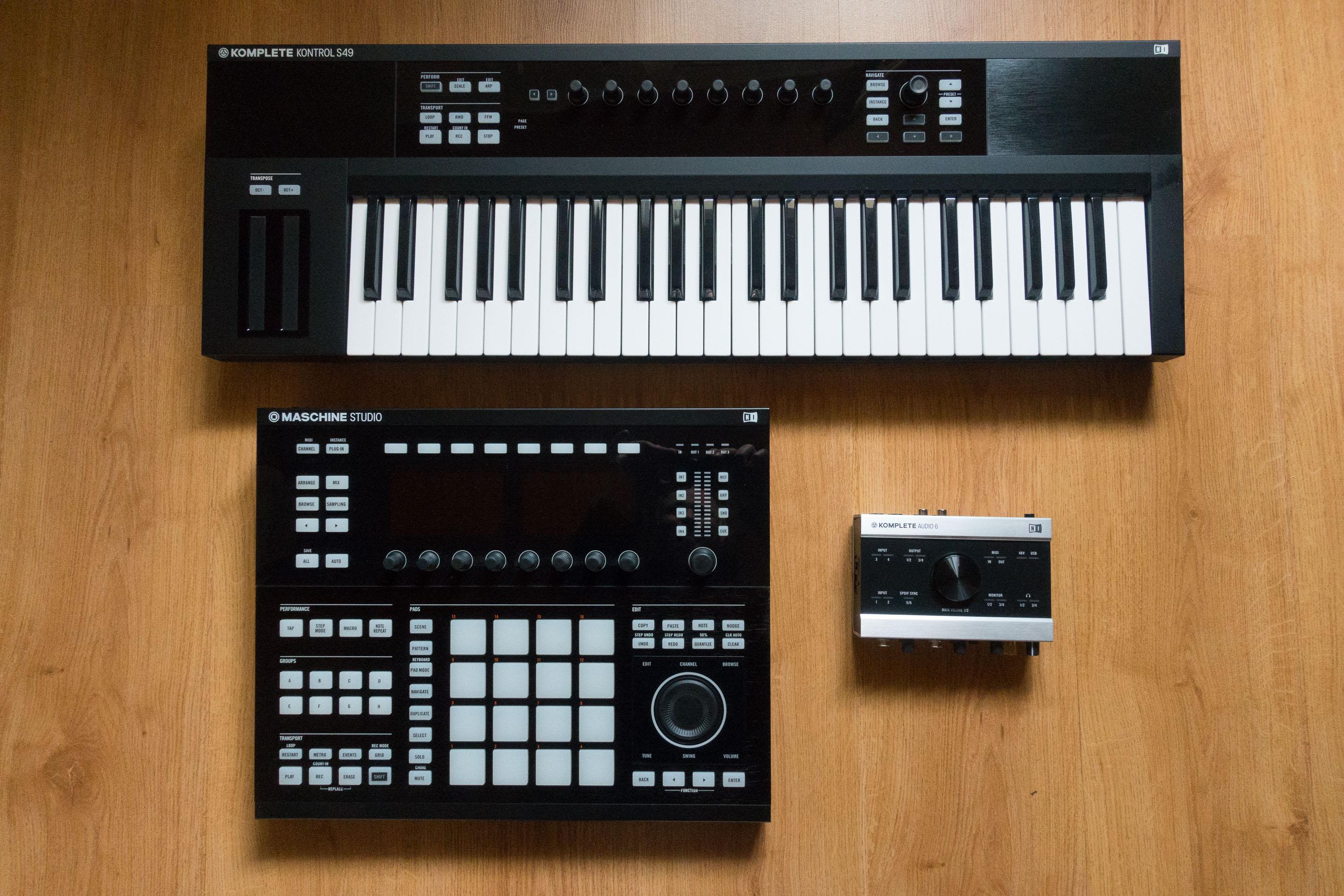 komplete kontrol s49 native instruments komplete kontrol s49 audiofanzine. Black Bedroom Furniture Sets. Home Design Ideas