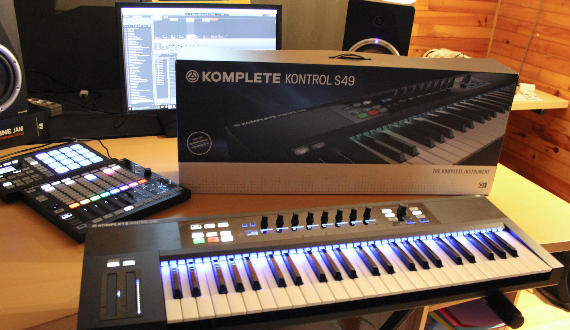 native instruments komplete kontrol s49 image 1877151 audiofanzine. Black Bedroom Furniture Sets. Home Design Ideas