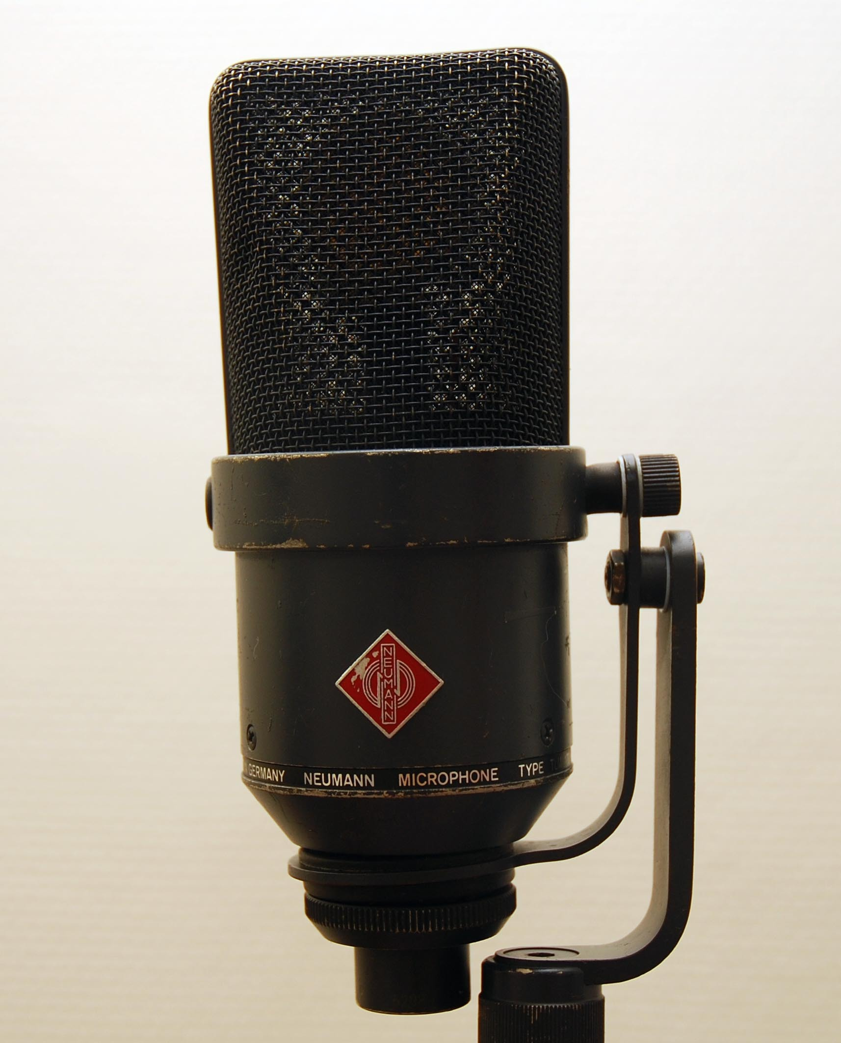 User reviews: Neumann TLM (2/9) - Audiofanzine