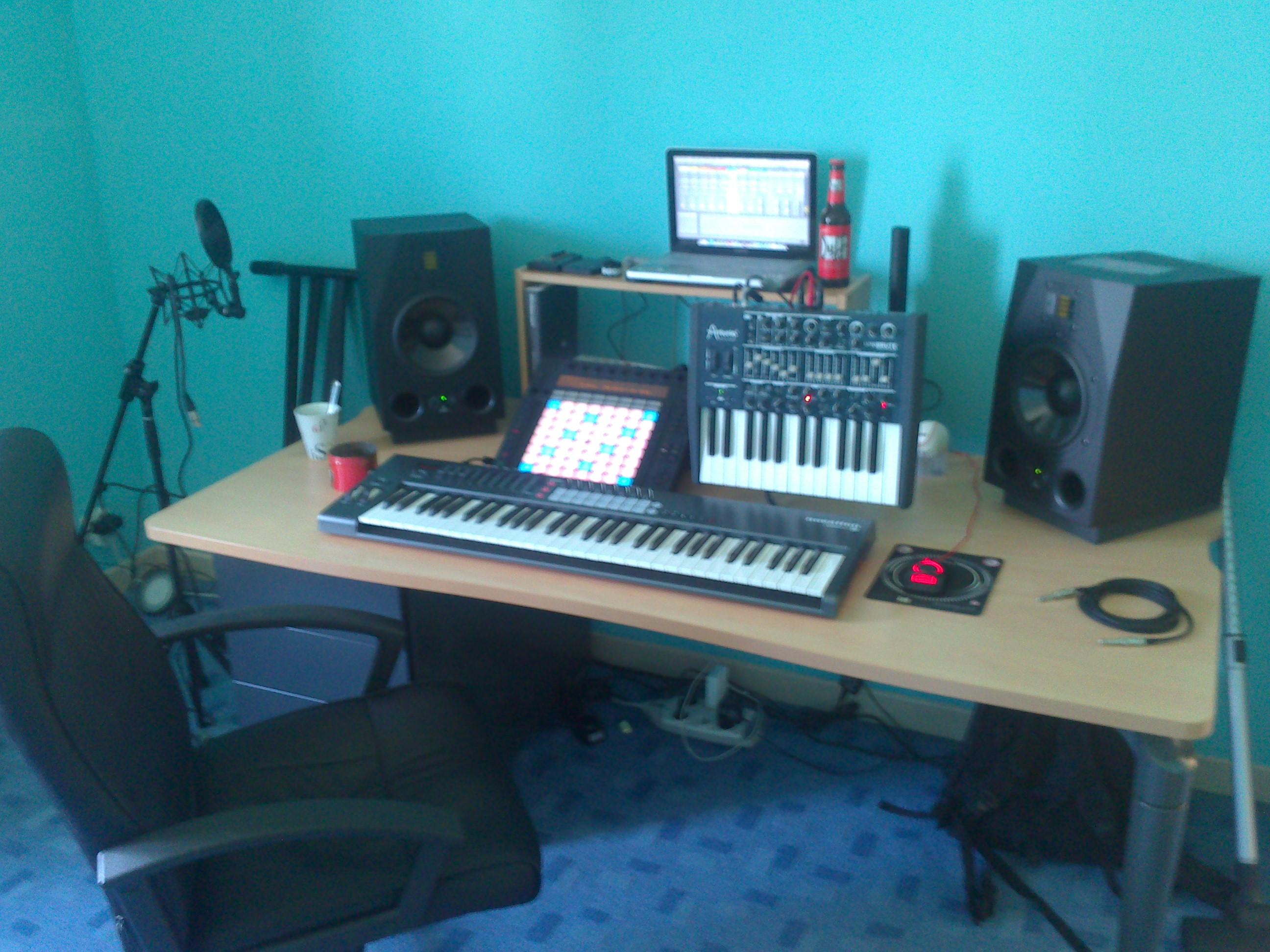 No name meuble rack bureau studio image 1000108 for Bureau home studio