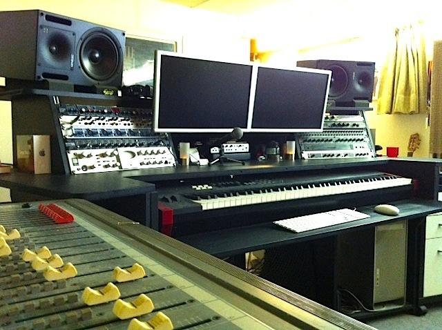 photo no name meuble rack bureau studio divers meuble studio 195383 audiofanzine