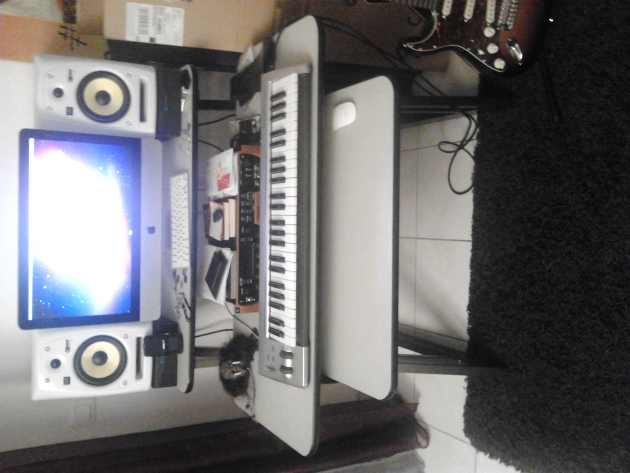 Photo no name meuble rack bureau studio divers meuble home