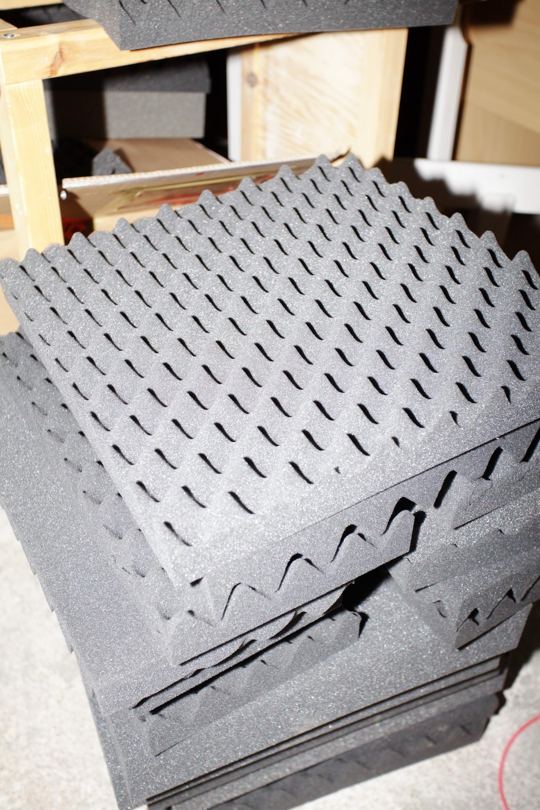 mousse acoustique. Black Bedroom Furniture Sets. Home Design Ideas