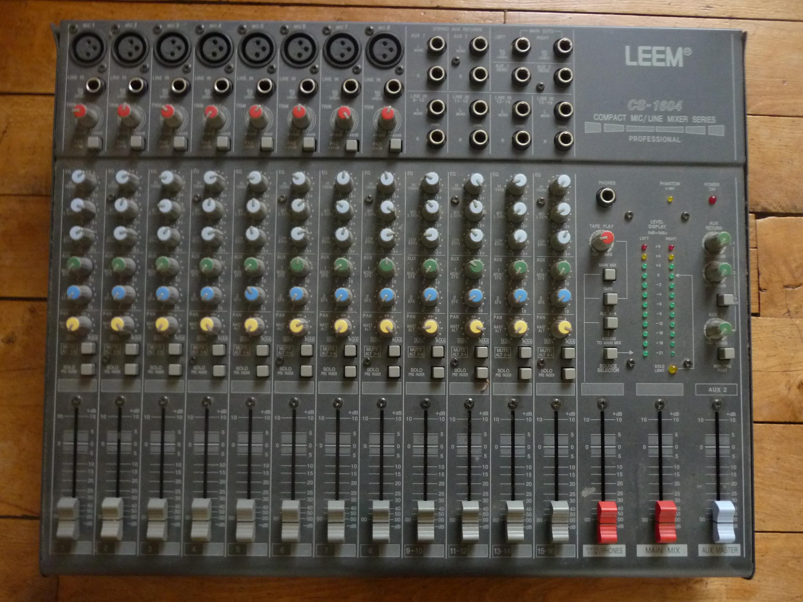 photo no name table pour console de mixage emison table de mixage 350977 audiofanzine. Black Bedroom Furniture Sets. Home Design Ideas