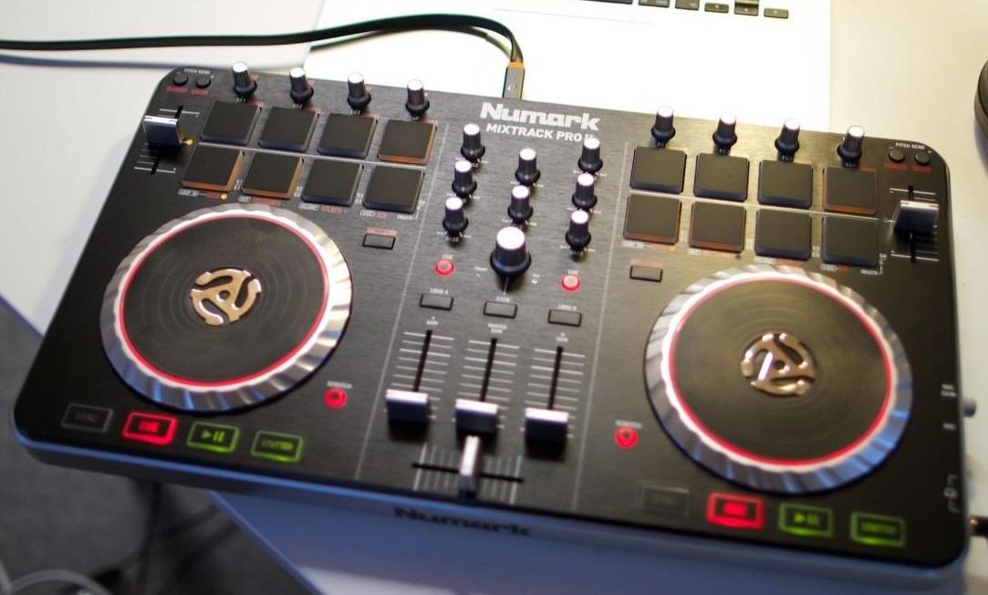Numark Mixtrack Pro Ii : numark mixtrack pro ii black image 689984 audiofanzine ~ Hamham.info Haus und Dekorationen