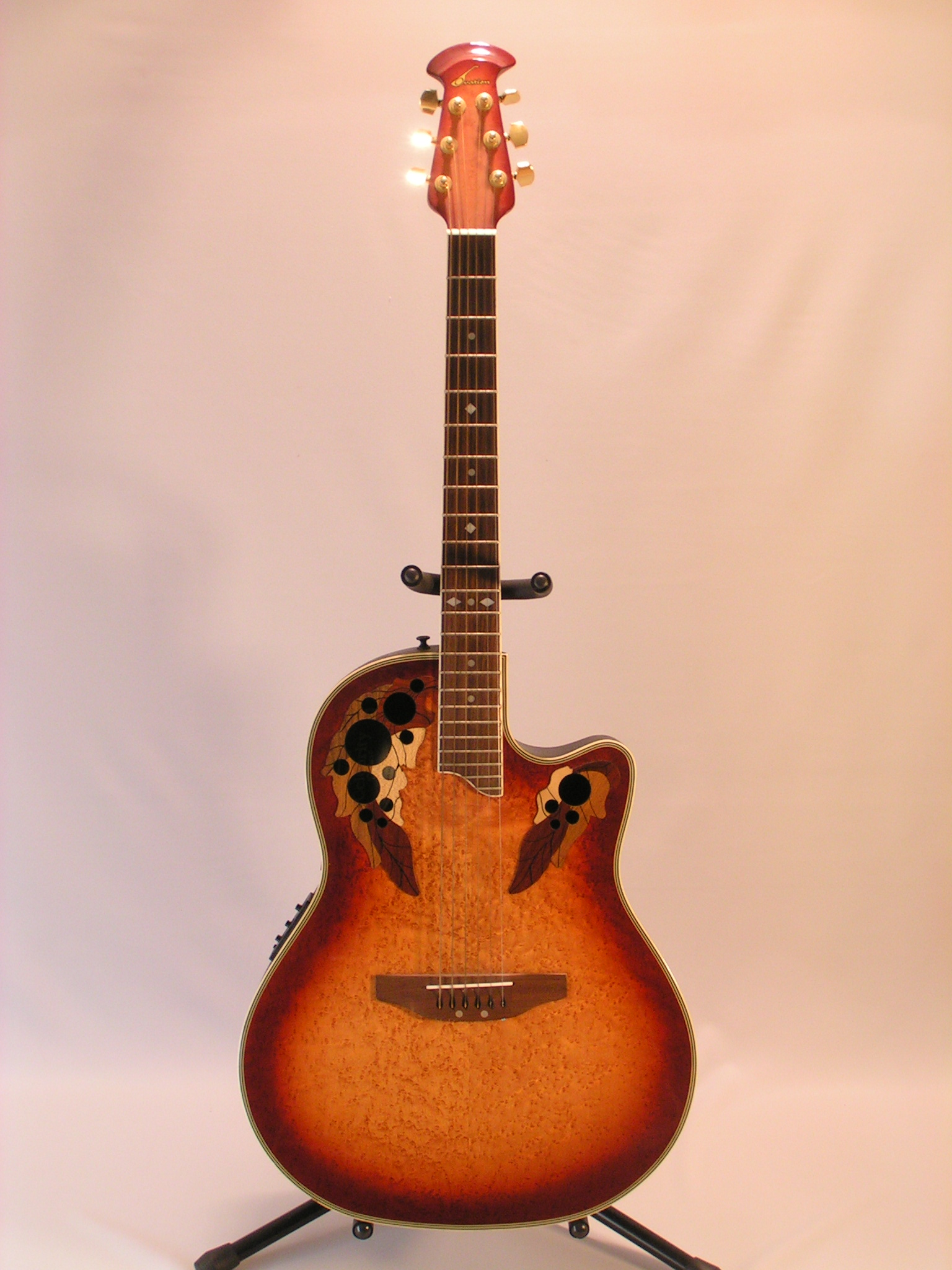 Guitare ovation celebrity cc11