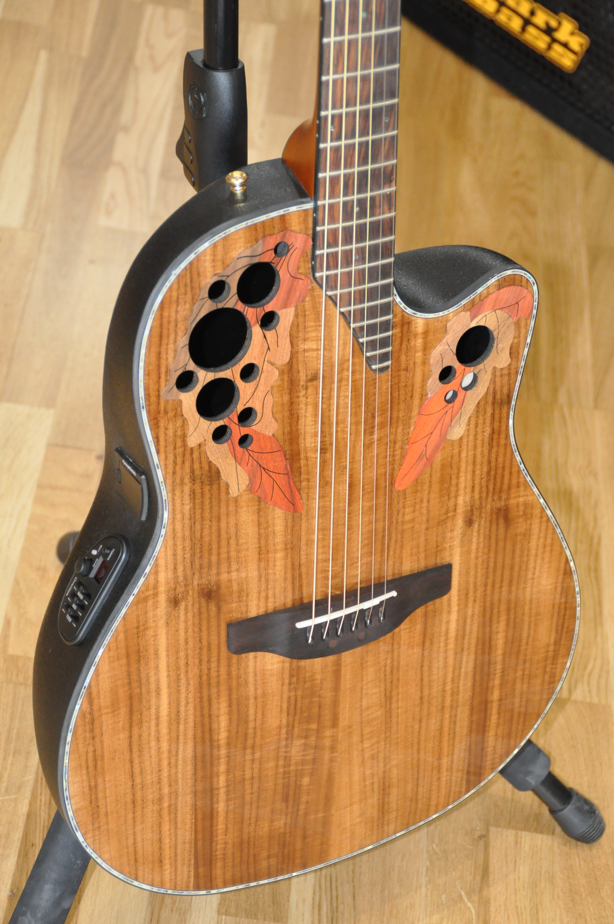 Ovation celebrity ce44p