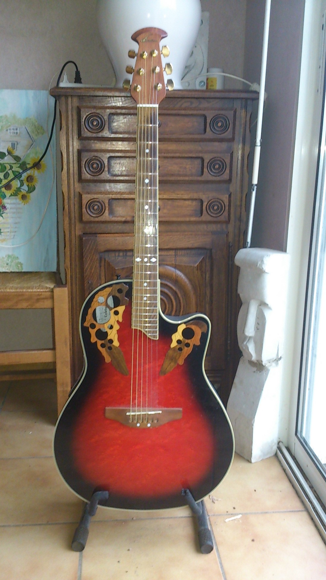 OVATION CELEBRITY DELUXE SERIES acoustic guitars