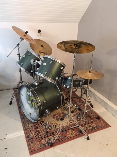 batterie pearl drums series pearl batterie pearl drums. Black Bedroom Furniture Sets. Home Design Ideas