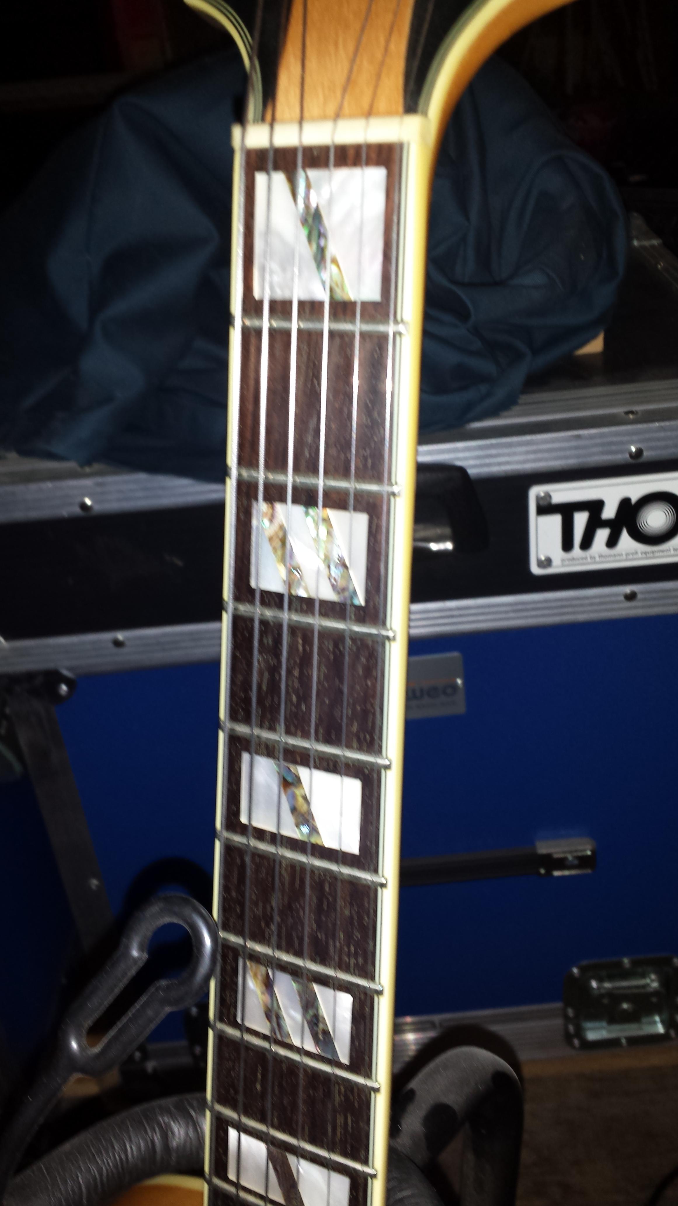 Guitare jazz accessible de qualit avis peerless new - Avis new york ...