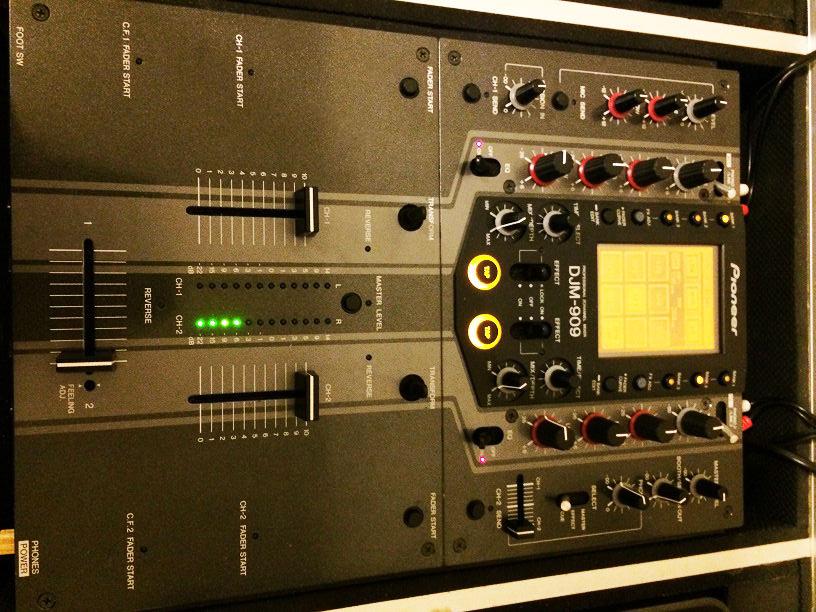 2 platines pioneer cdj 1000 mk3 table de mixage pioneer - Table de mixage pioneer occasion ...