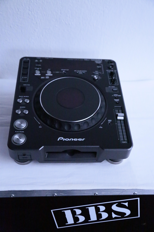 pioneer cdj 1000 mk3 image 1801300 audiofanzine. Black Bedroom Furniture Sets. Home Design Ideas
