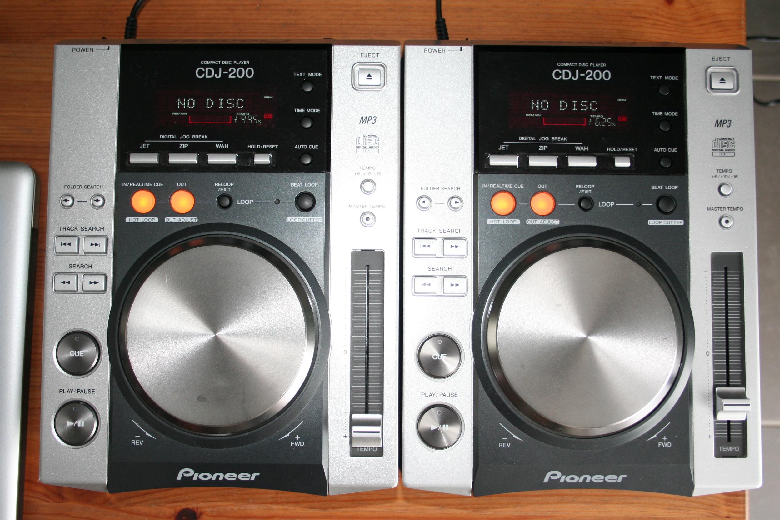 pioneer cdj 200 image 499735 audiofanzine. Black Bedroom Furniture Sets. Home Design Ideas
